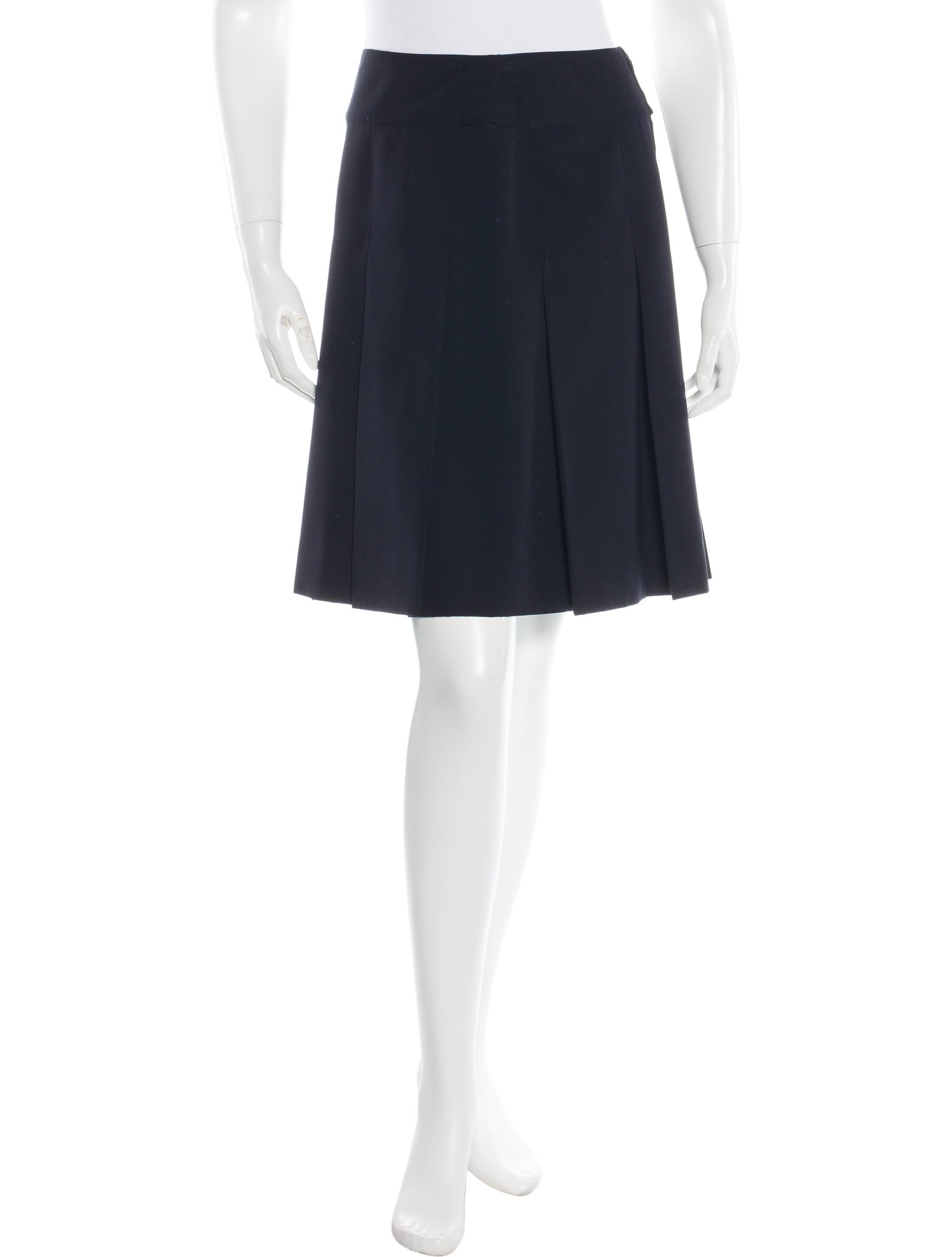 chanel pleated knee length skirt clothing cha129671