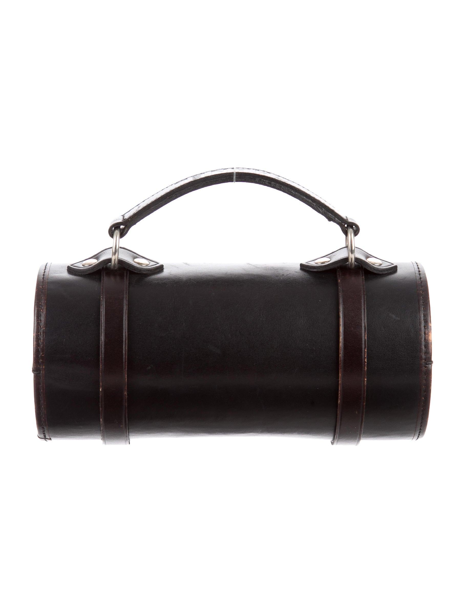 Chanel Leather Barrel Bag Handbags Cha130128 The