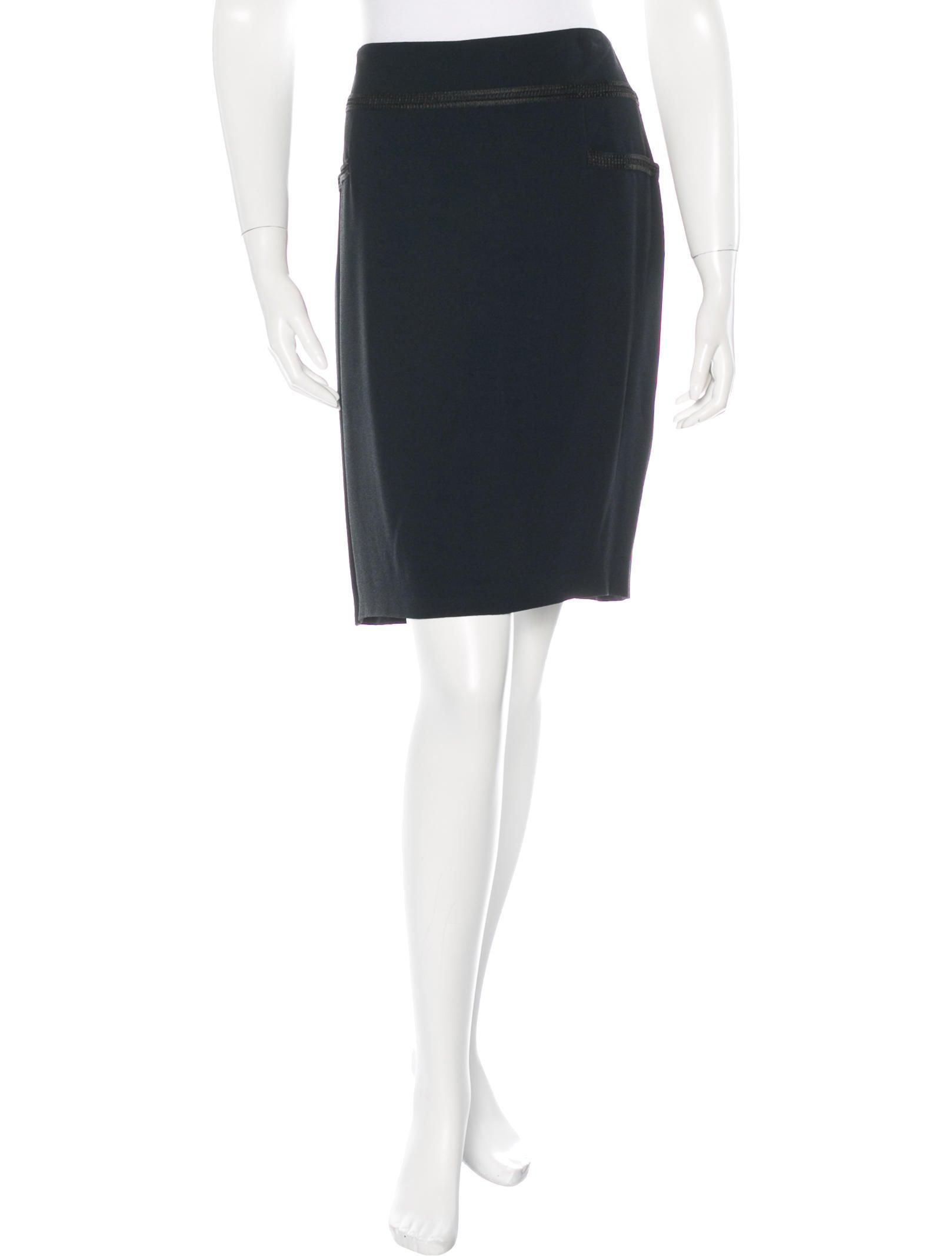 chanel knee length pencil skirt clothing cha132967