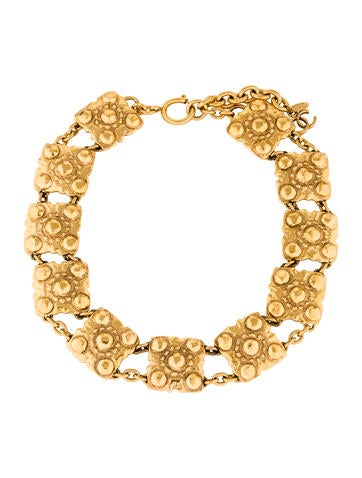 Chanel Studded Collar Necklace!