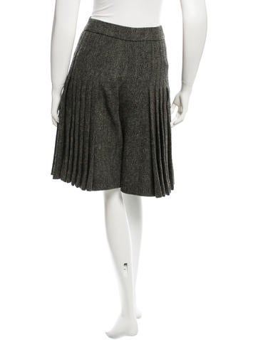 Wool Pleated Shorts