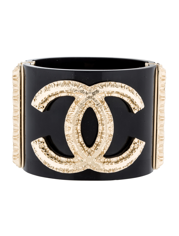 44a2a250b0c Chanel Textured CC Hinge Cuff - Bracelets - CHA137352