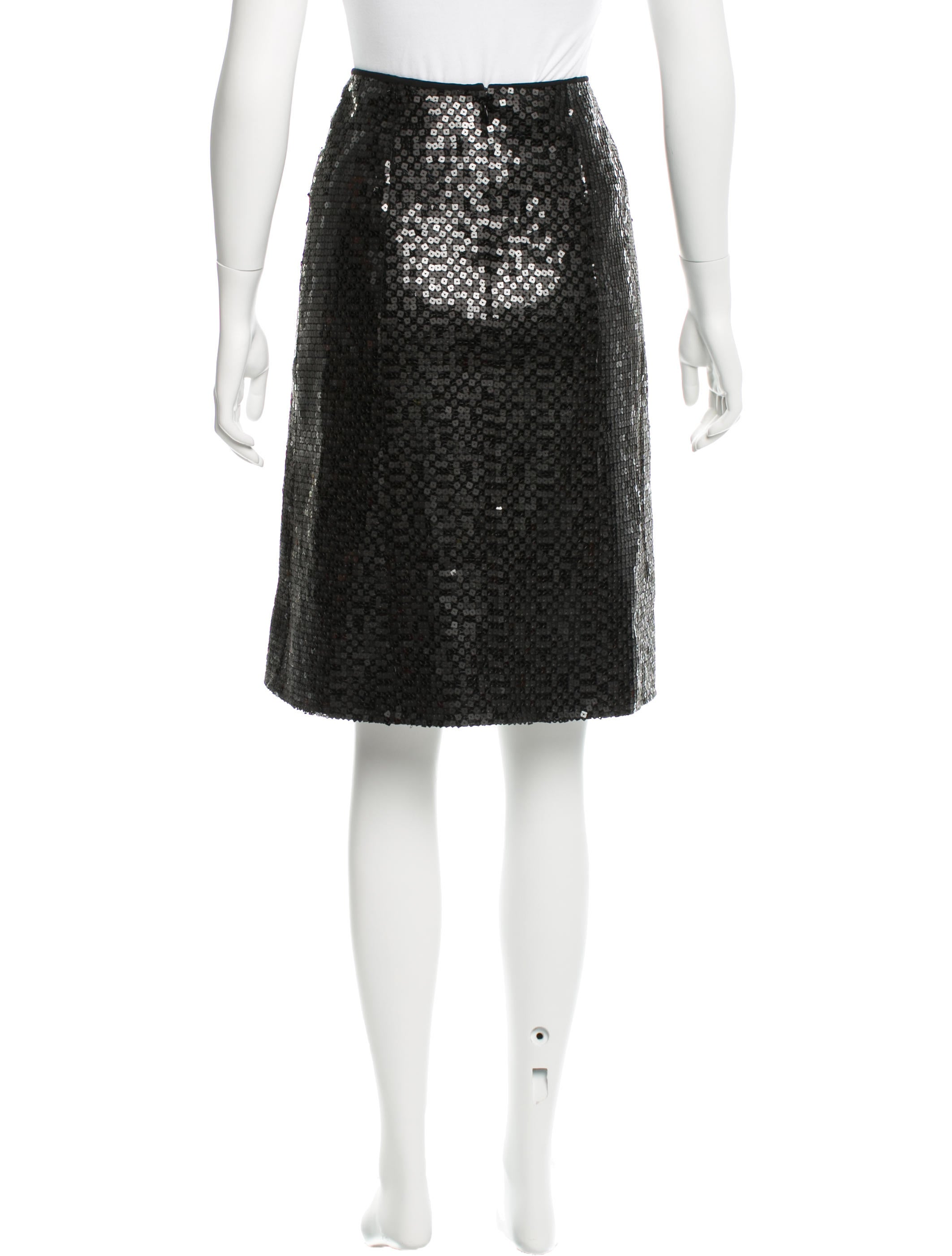 chanel sequined knee length skirt clothing cha138239