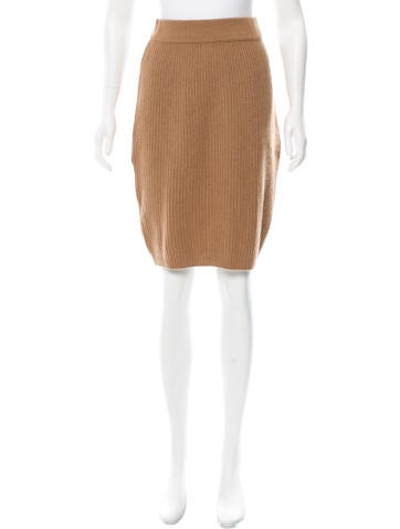Chanel Cashmere Knee-Length Skirt None