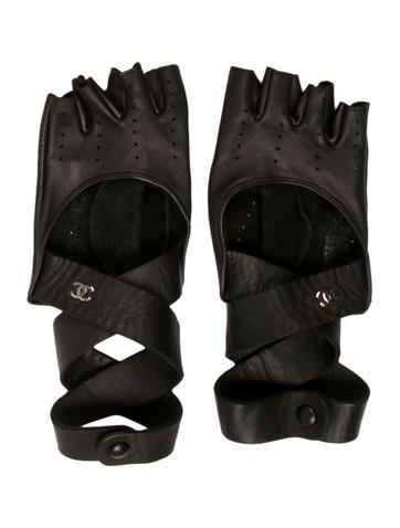 Fingerless Wrap-Around Gloves