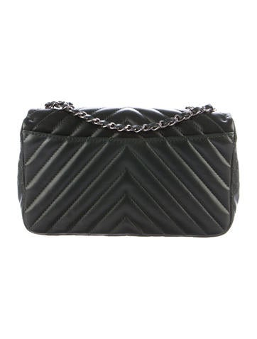 Chevron Classic Medium Classic Single Flap Bag