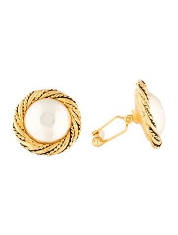 Chanel Pearl Cufflinks None