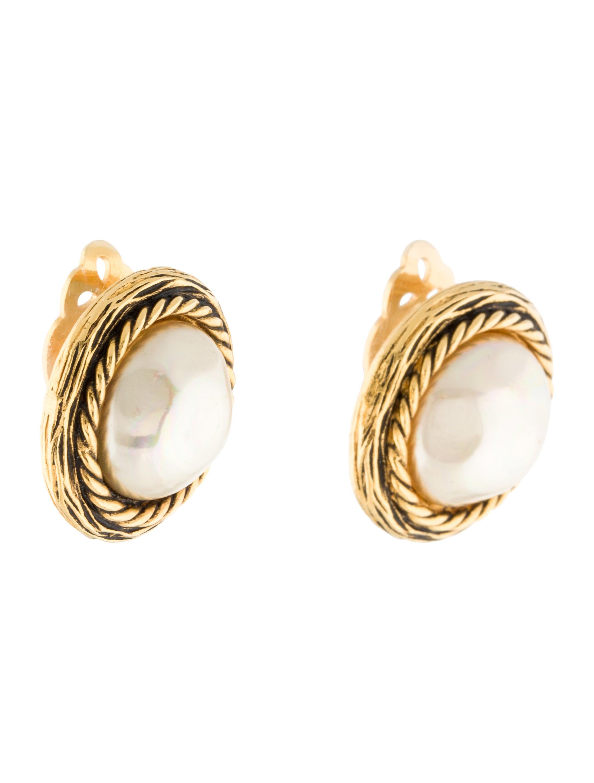 chanel pearl clip on earrings earrings cha146909 the