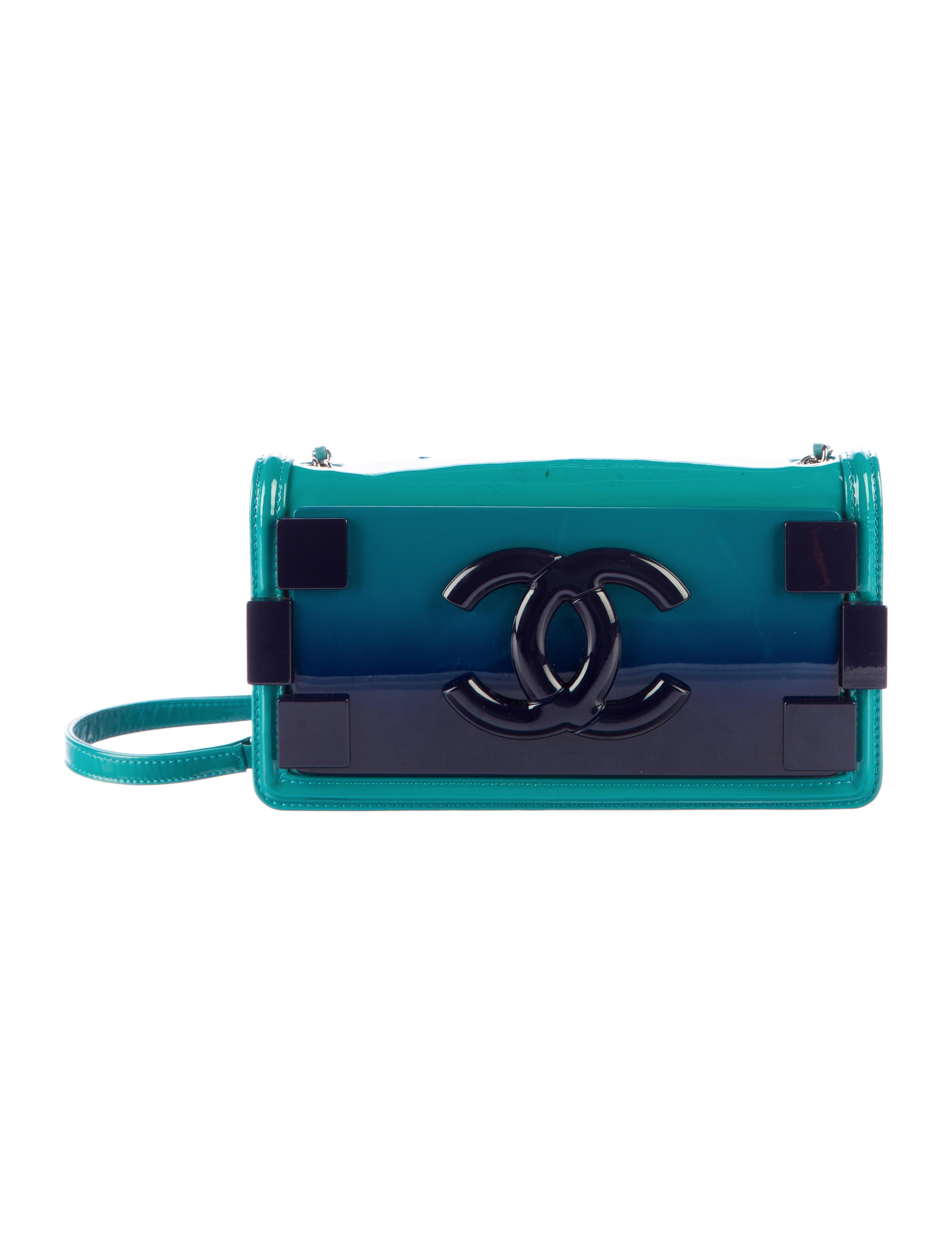 19ecd07274b8 Chanel Boy Brick Horizontal Flap Bag - Handbags - CHA148144