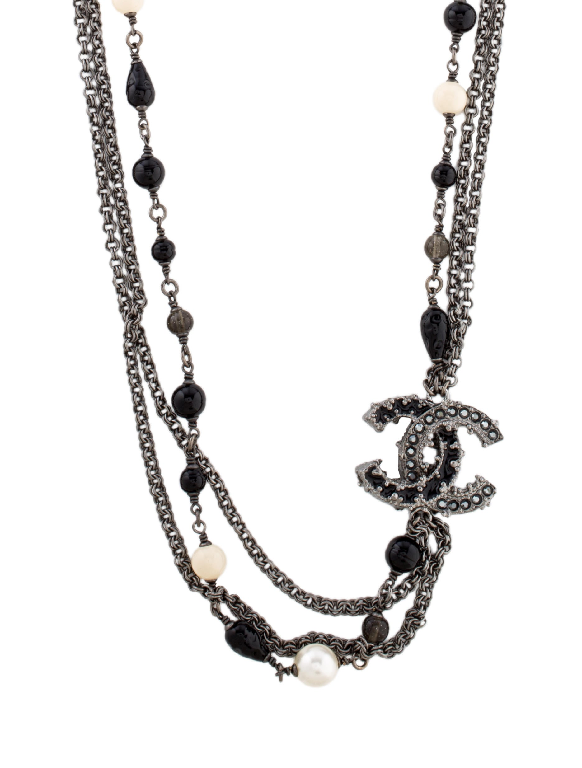 chanel faux pearl cc necklace necklaces cha150454. Black Bedroom Furniture Sets. Home Design Ideas