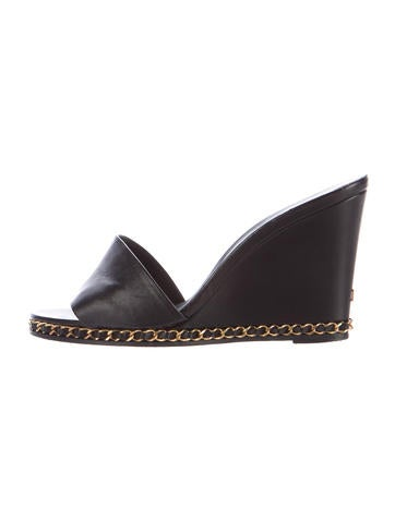 Chanel Leather Chain-Link Wedges None