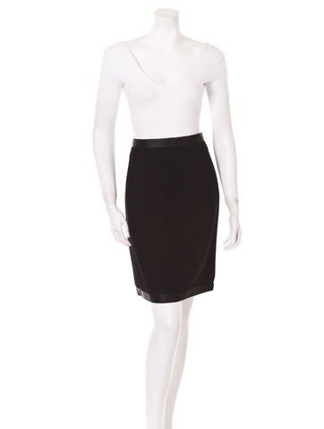 Chanel Wool Pencil Skirt None