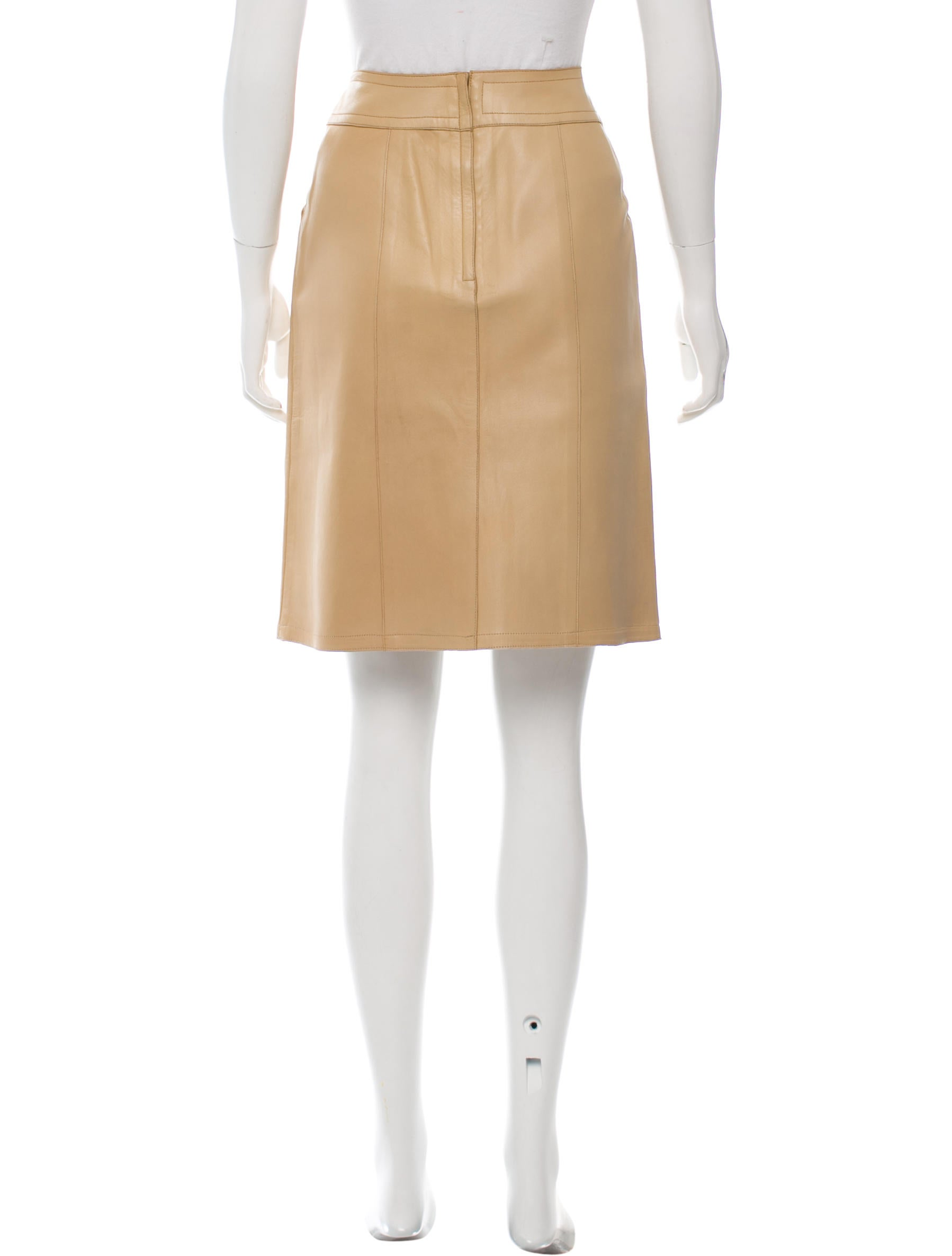 chanel leather knee length skirt clothing cha156746