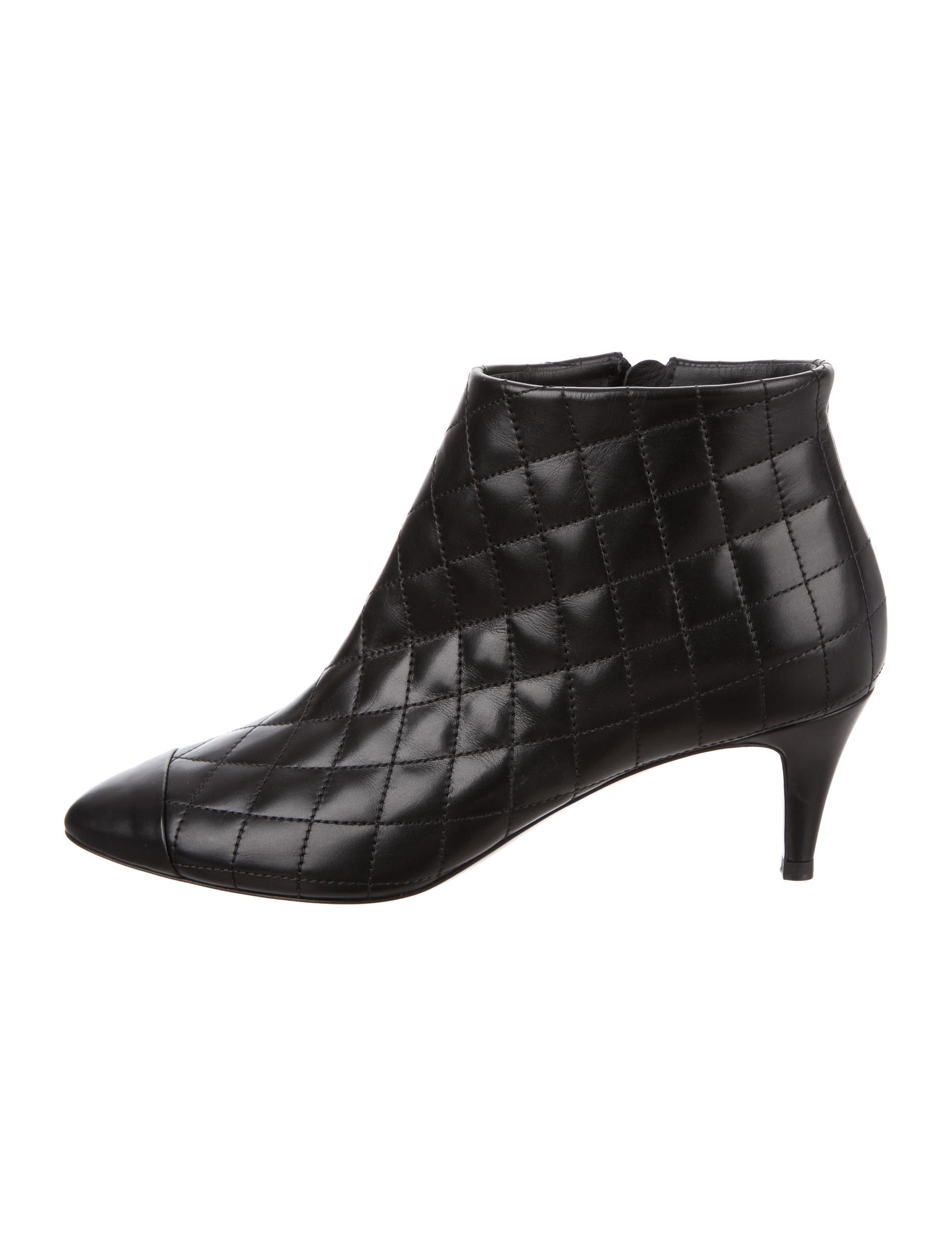 chanel quilted leather ankle boots shoes cha158027
