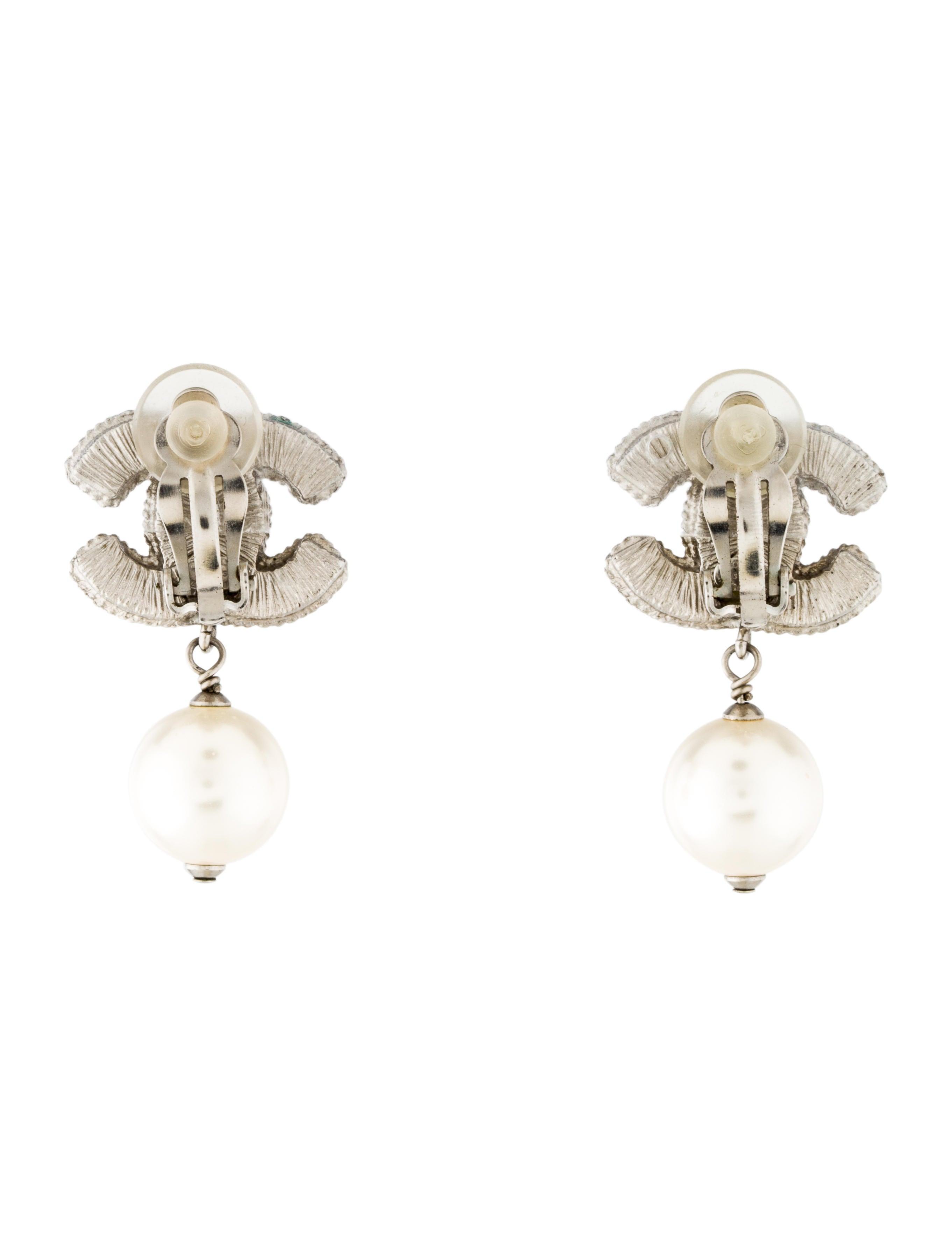 chanel cc amp pearl drop earrings earrings cha159416