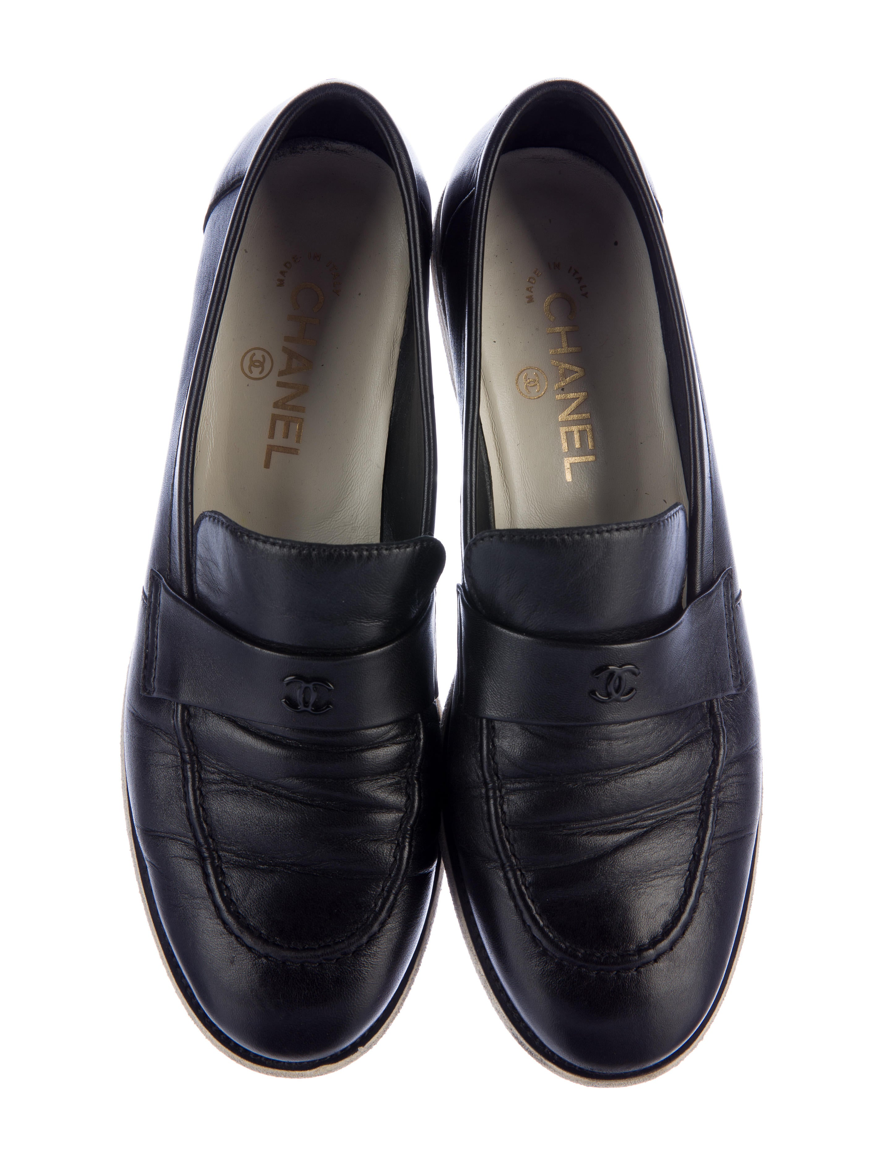 Chanel CC Leather Loafers Shoes CHA160682 The RealReal : CHA1606823enlarged from www.therealreal.com size 2855 x 3767 jpeg 788kB