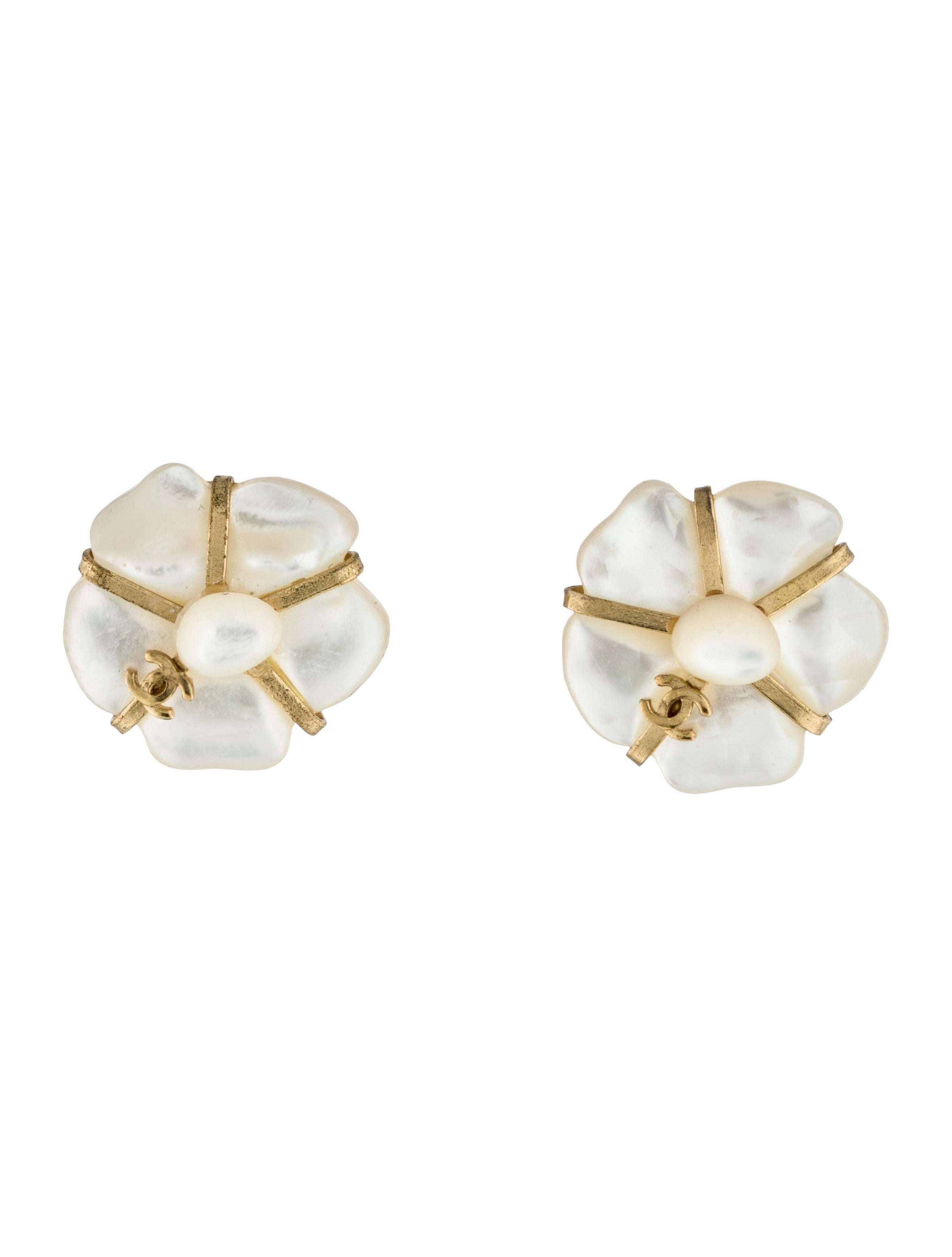 chanel mother of pearl clip on earrings earrings. Black Bedroom Furniture Sets. Home Design Ideas