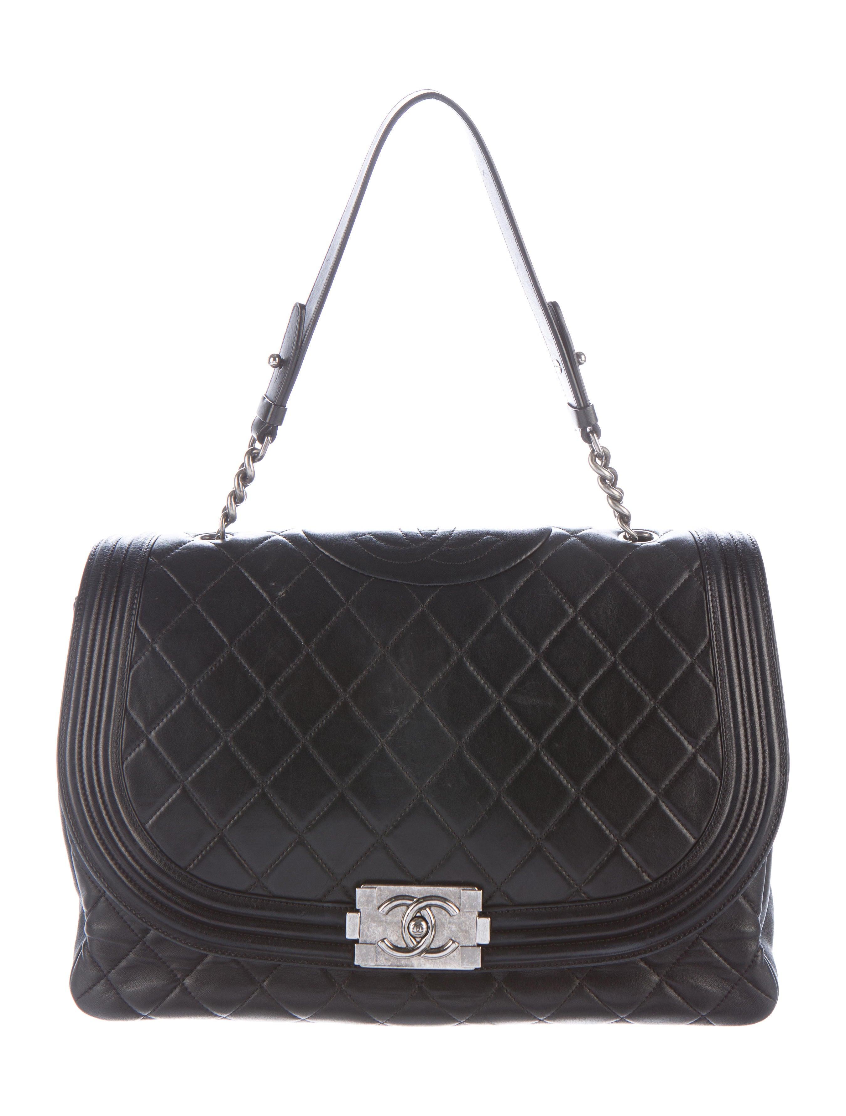c3e6c56596a1 Chanel Antik Boy Bag - Handbags - CHA162348   The RealReal