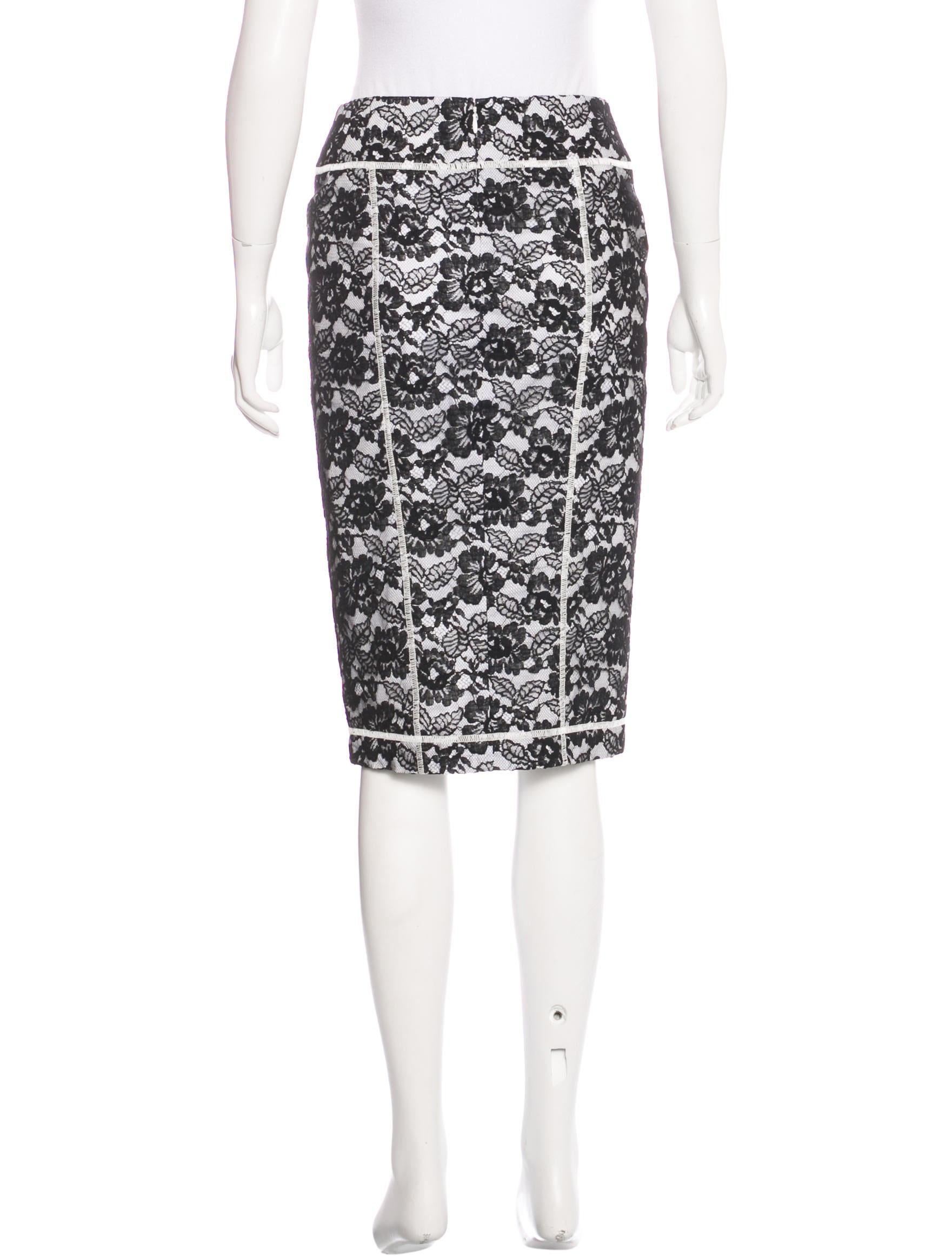 chanel lace knee length skirt clothing cha163116 the