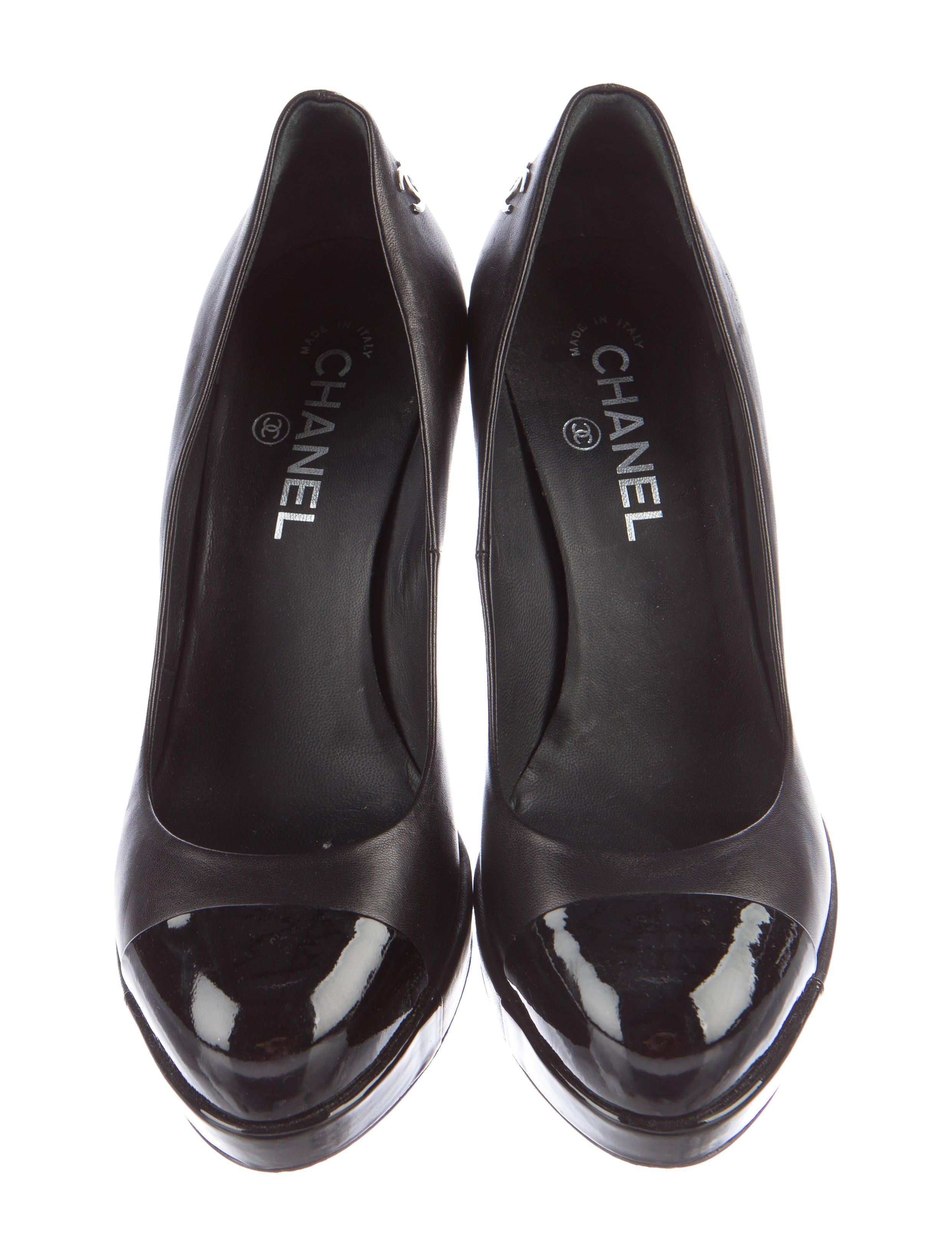 chanel cc platform pumps shoes cha163828 the realreal
