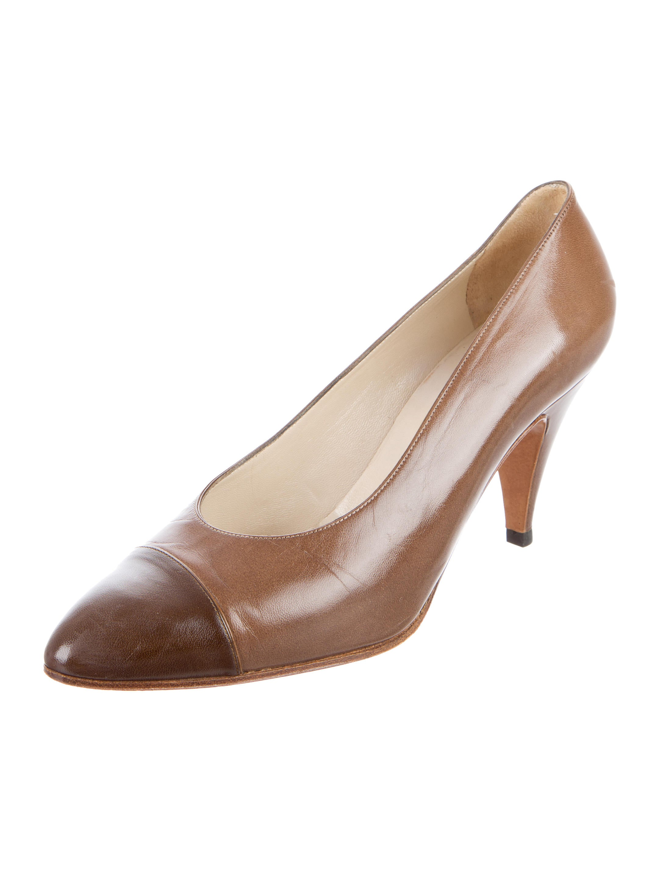 chanel leather pointed toe pumps shoes cha164906 the