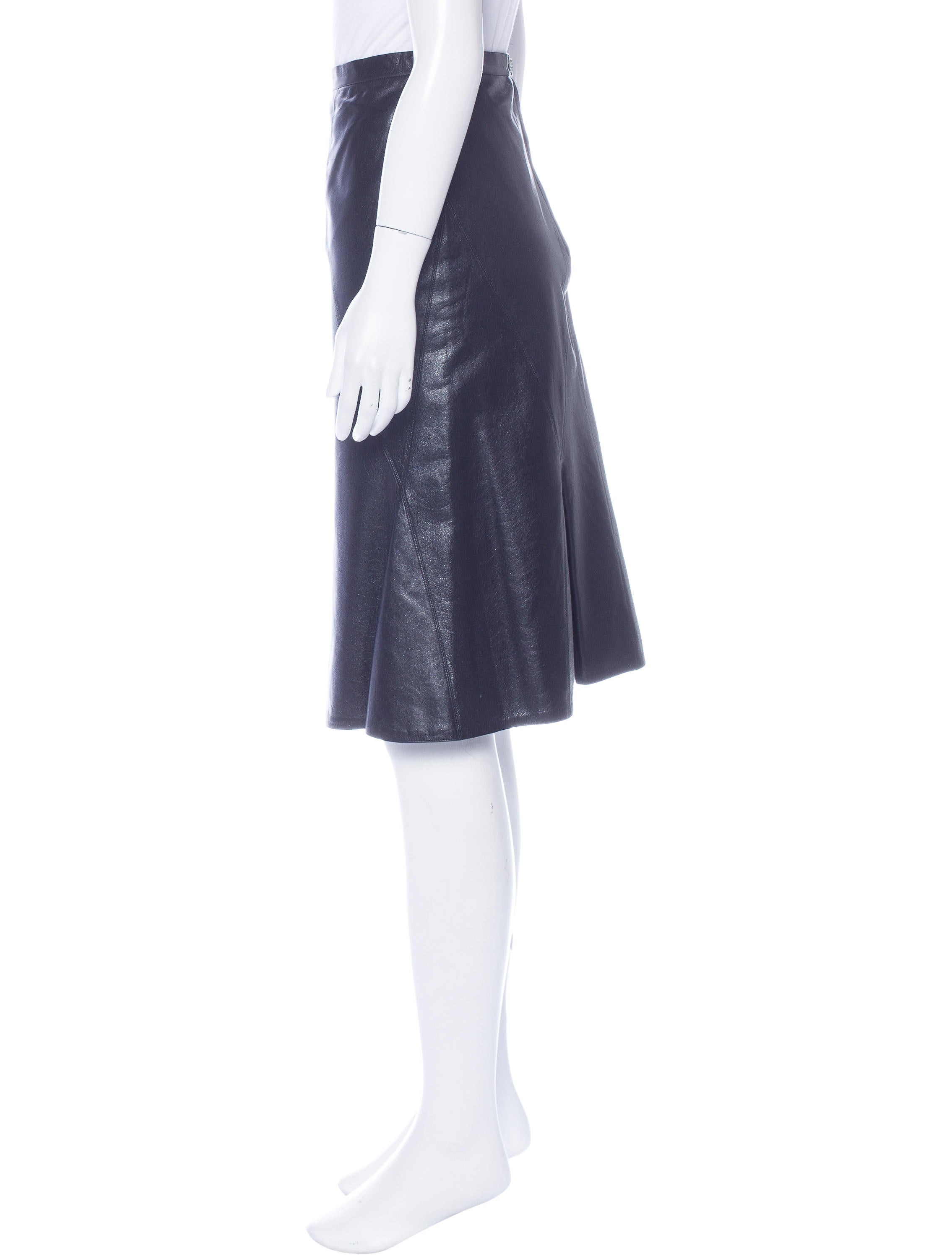 chanel leather knee length skirt clothing cha165910