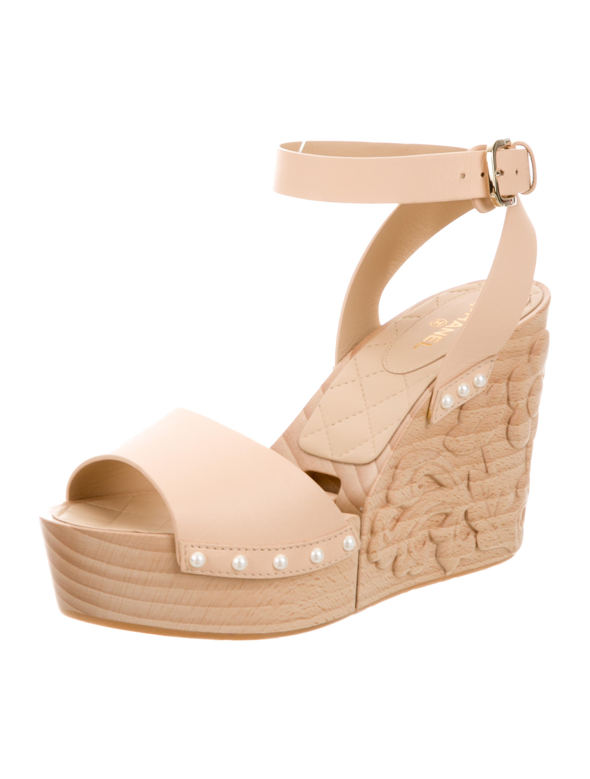 chanel 2016 camellia leather wedges shoes cha166707