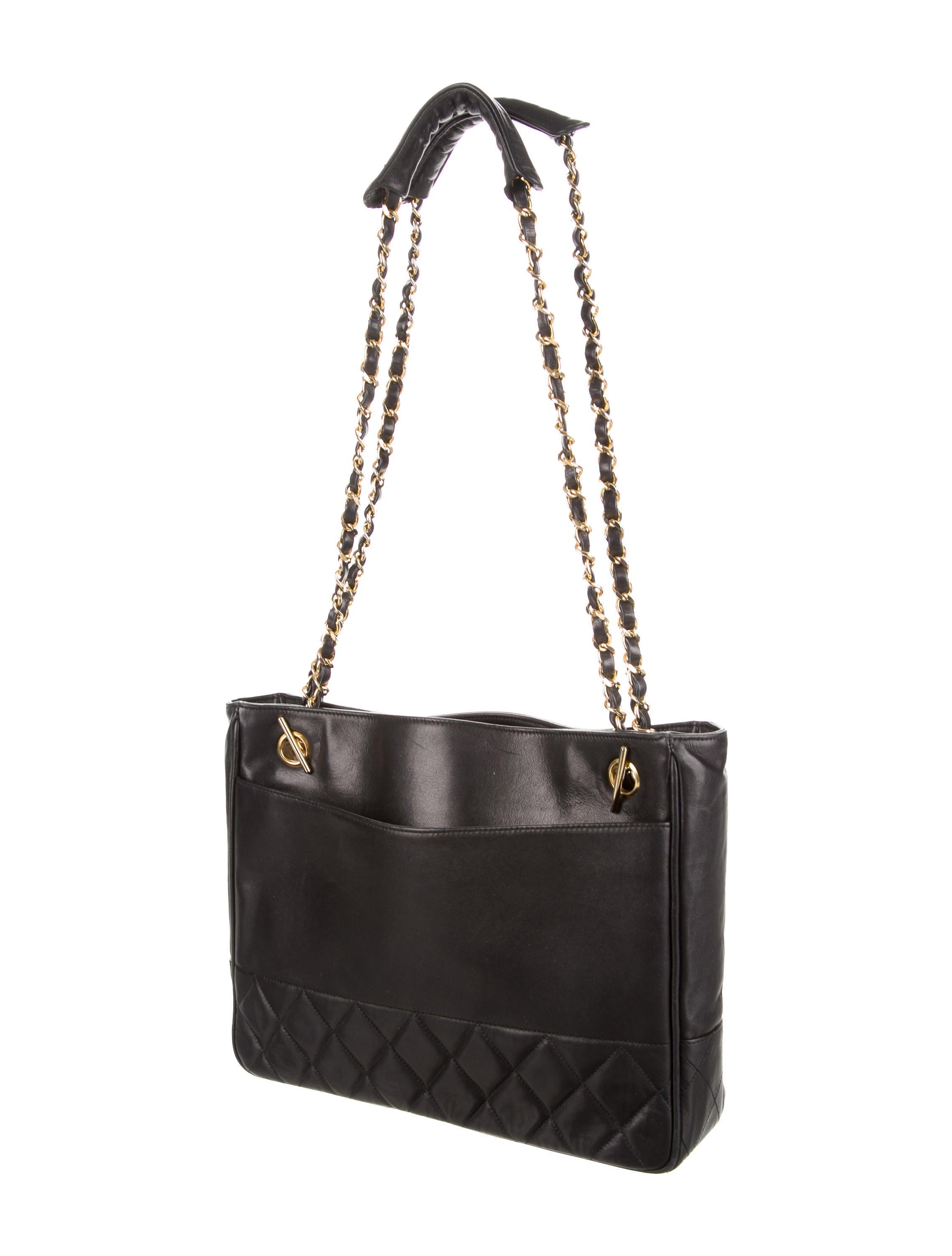Vintage Chanel Shoulder Bag 102