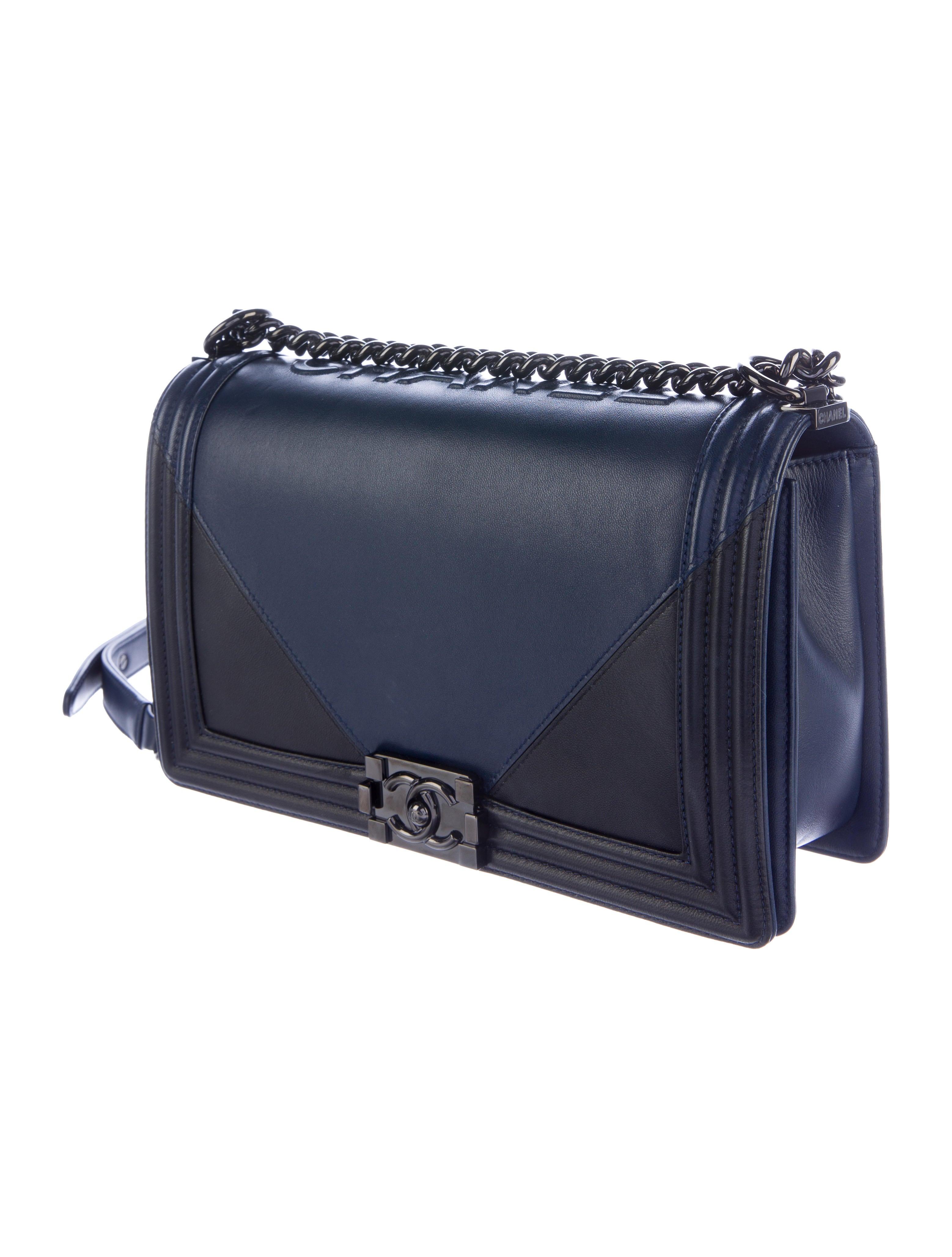 Chanel 2017 Medium Plus Boy Bag - Handbags - CHA168605 : The RealReal