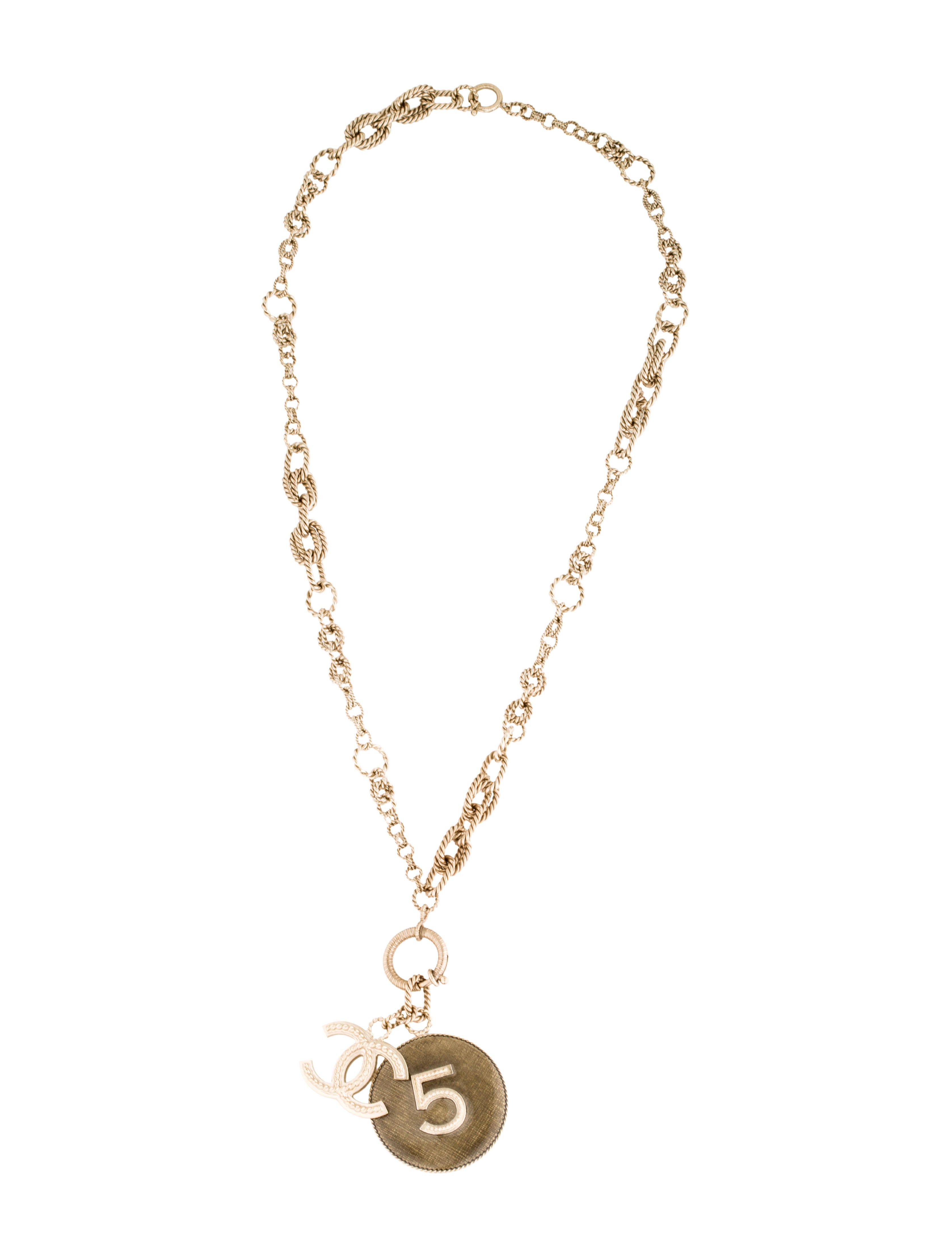 Chanel cc pendant necklace : Chanel lacquered cc no pendant necklace w tags