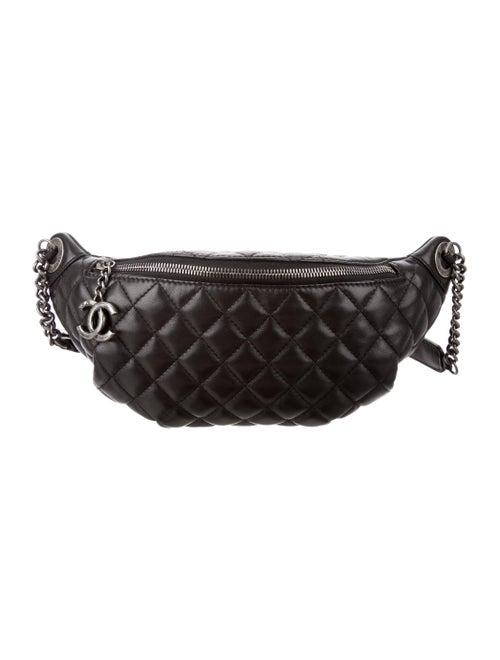 319a3a9d0f00 Chanel Quilted Banane Waist Bag - Handbags - CHA171480 | The RealReal