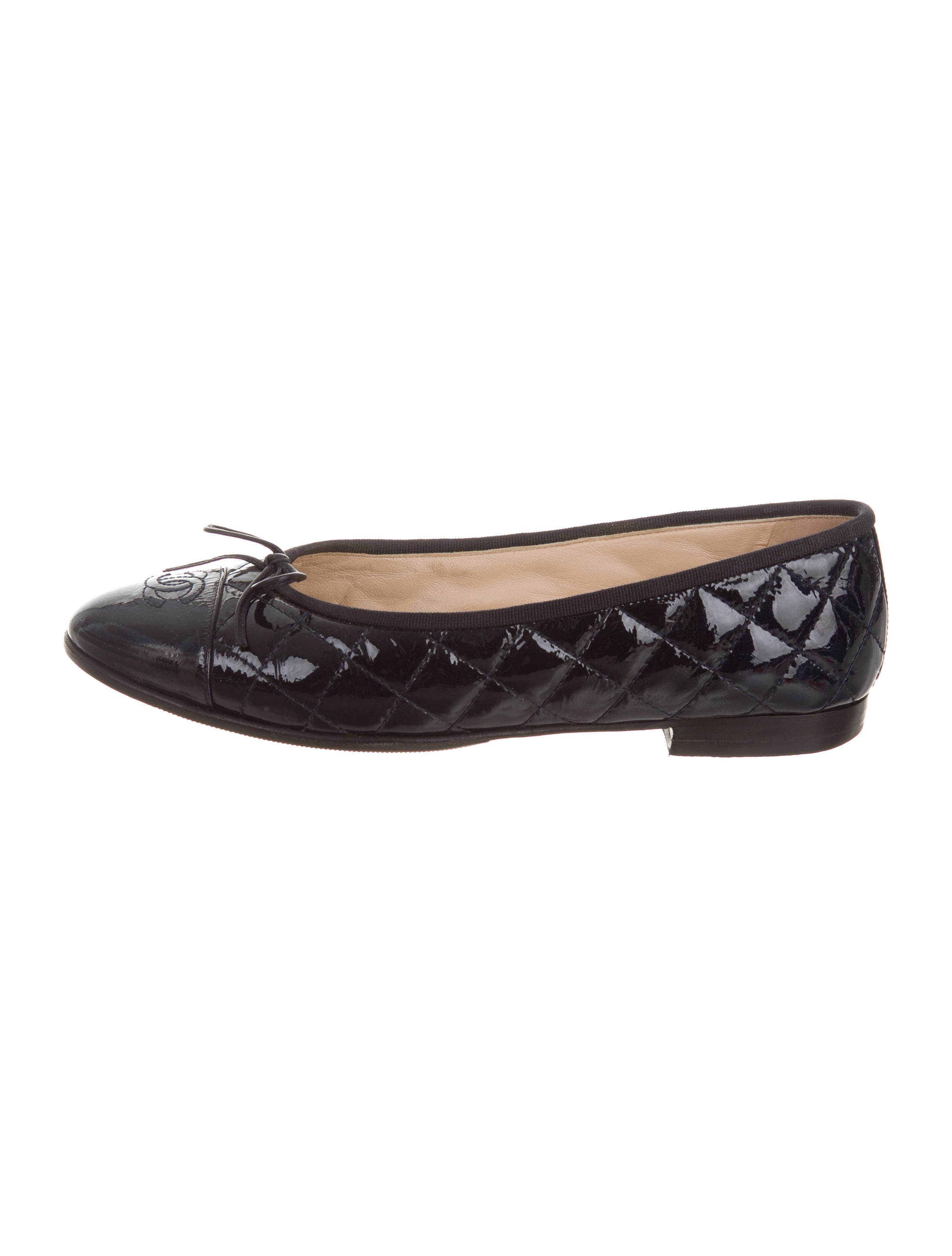 Chanel Cc Quilted Flats Shoes Cha176196 The Realreal