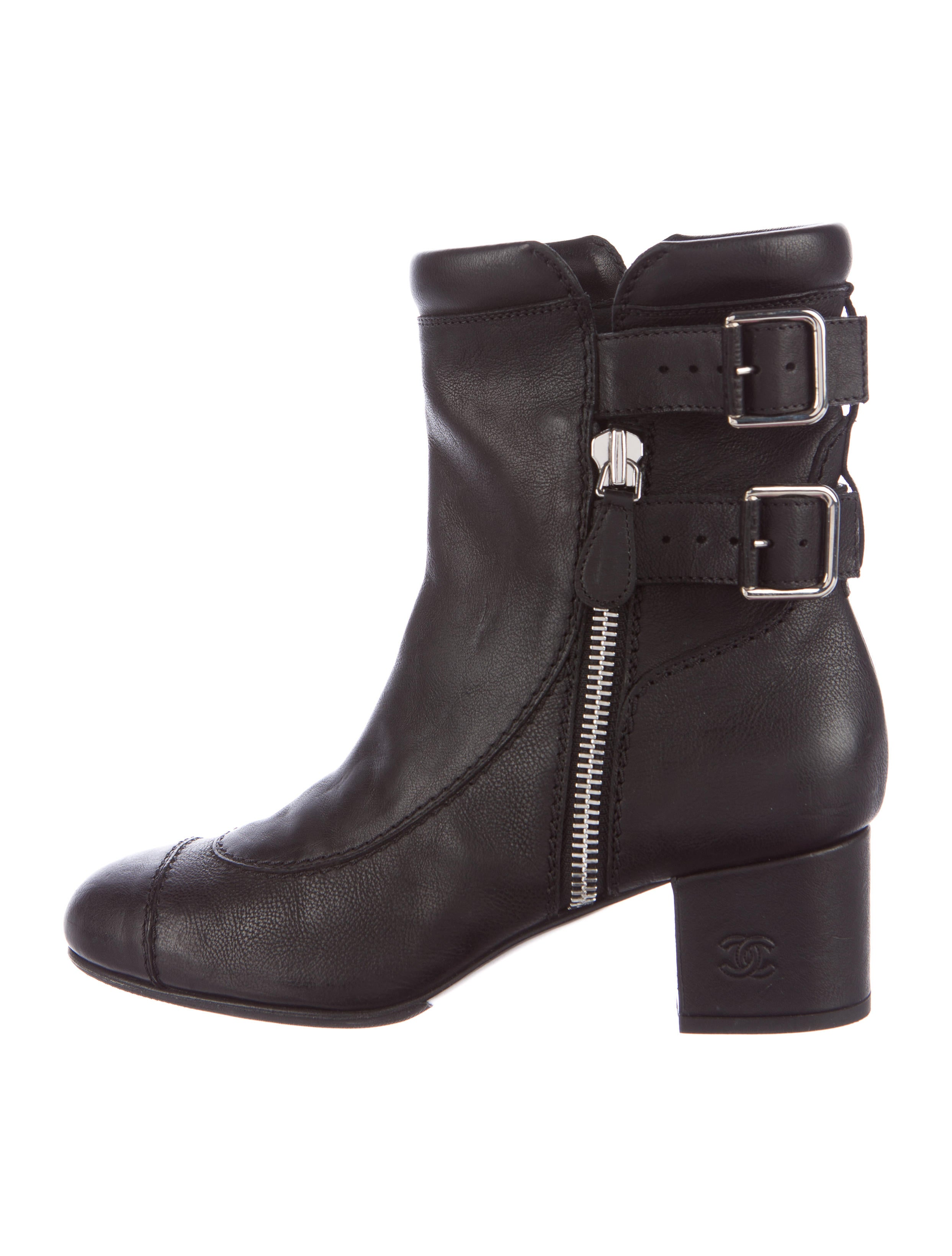 Overstock uses cookies to ensure you get the best experience on our site. Journee Collection Women's Link High Heel Faux Suede Ankle Boots. 50 Reviews. SALE. More Options. Quick View. Journee Collection Women's 'Reggi' Stacked Heel Laser Cut Buckle Booties. 29 Reviews.