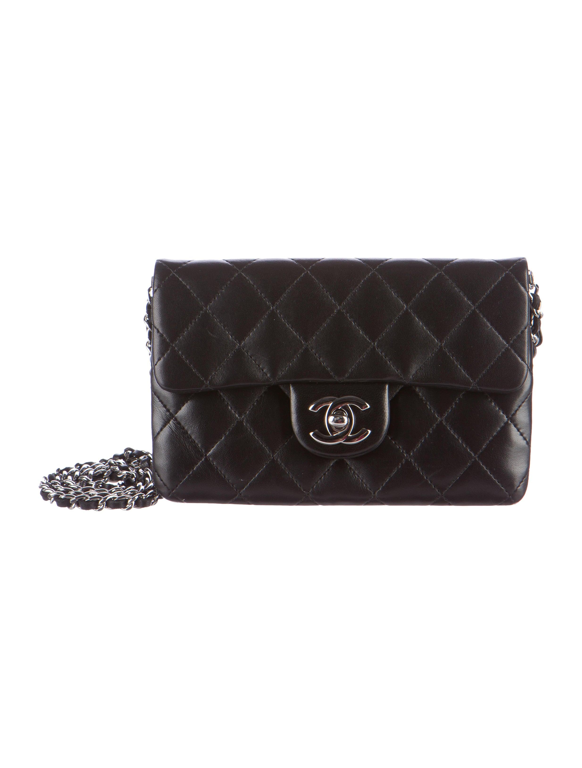 7cc16216d561 Chanel Daily Zippy Crossbody Bag - Handbags - CHA177178