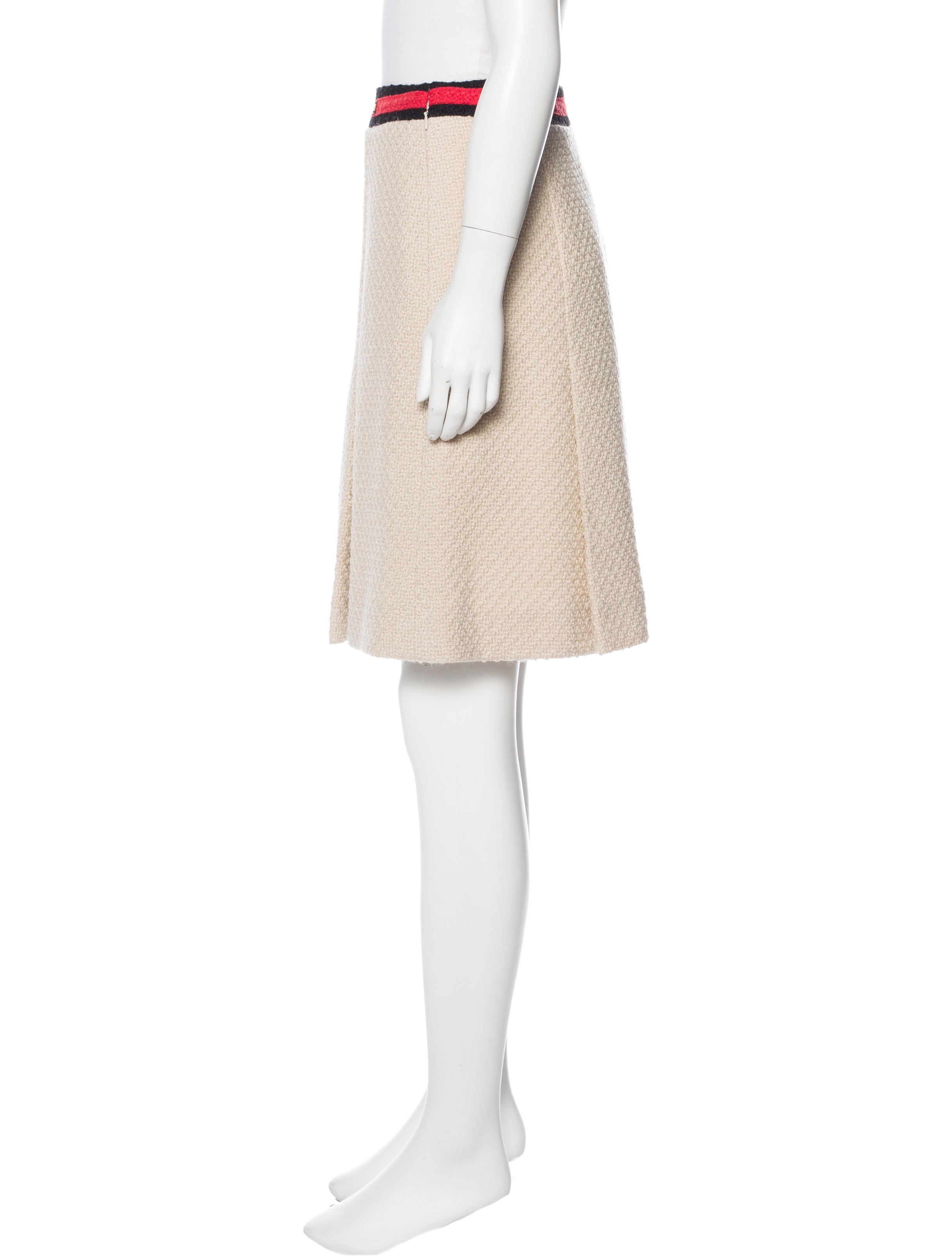 chanel pleated tweed skirt w tags clothing cha179093