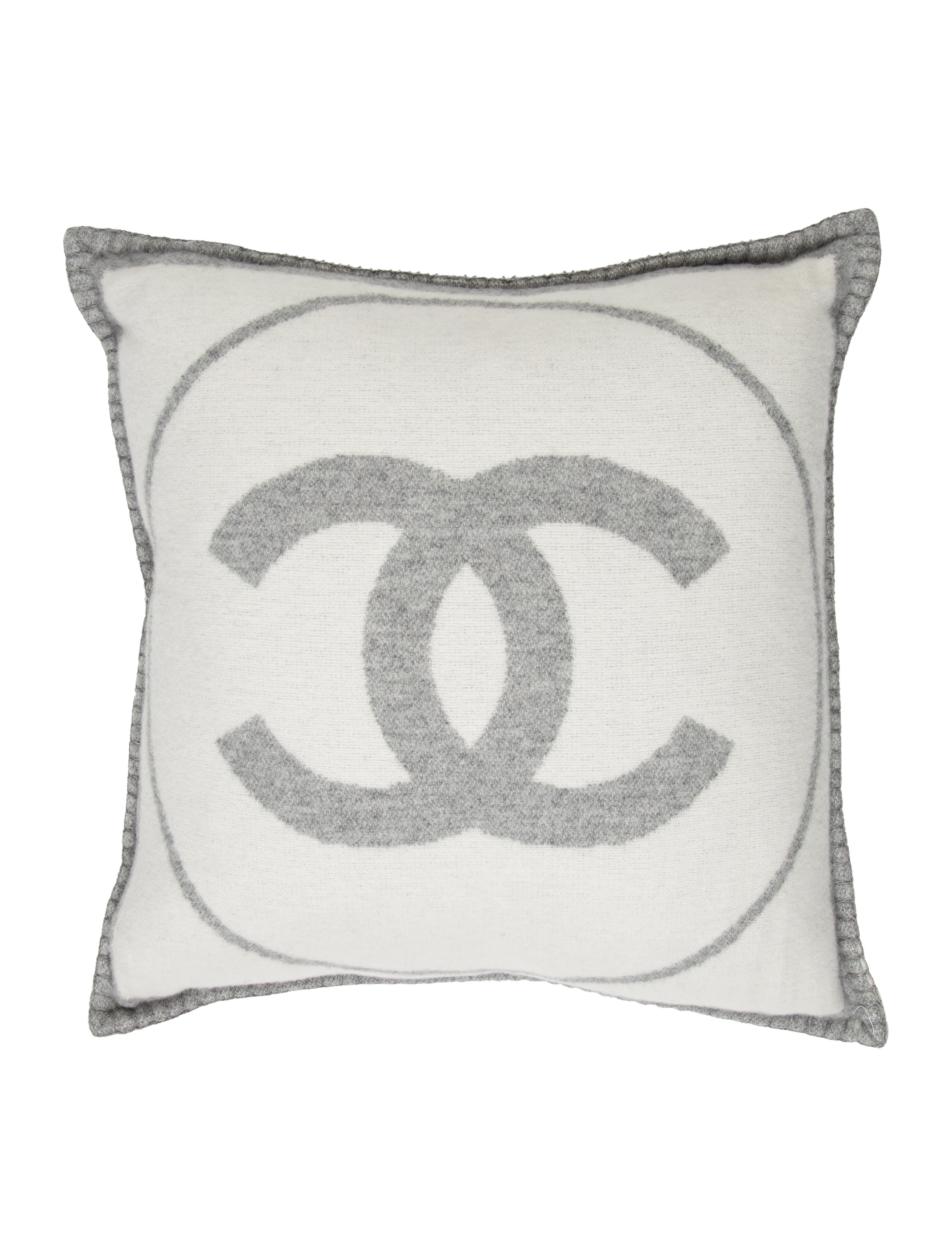 Black Chanel Throw Pillow : Chanel CC Throw Pillow - Pillows And Throws - CHA180332 The RealReal