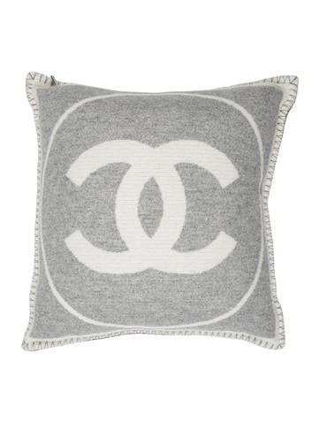 Chanel Leather Throw Pillow : Chanel CC Throw Pillow - Pillows And Throws - CHA180332 The RealReal