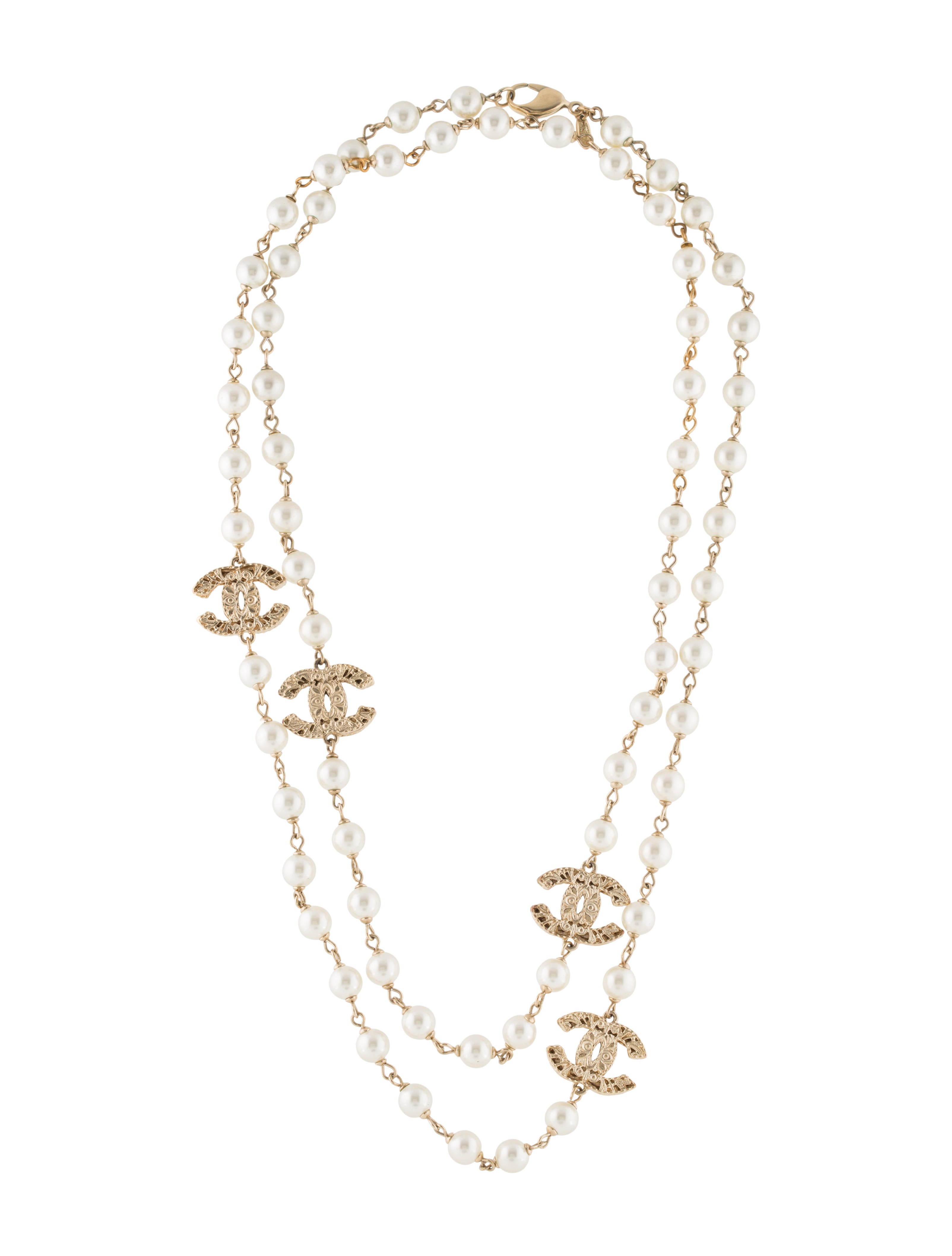 chanel cc faux pearl long necklace necklaces cha181045. Black Bedroom Furniture Sets. Home Design Ideas