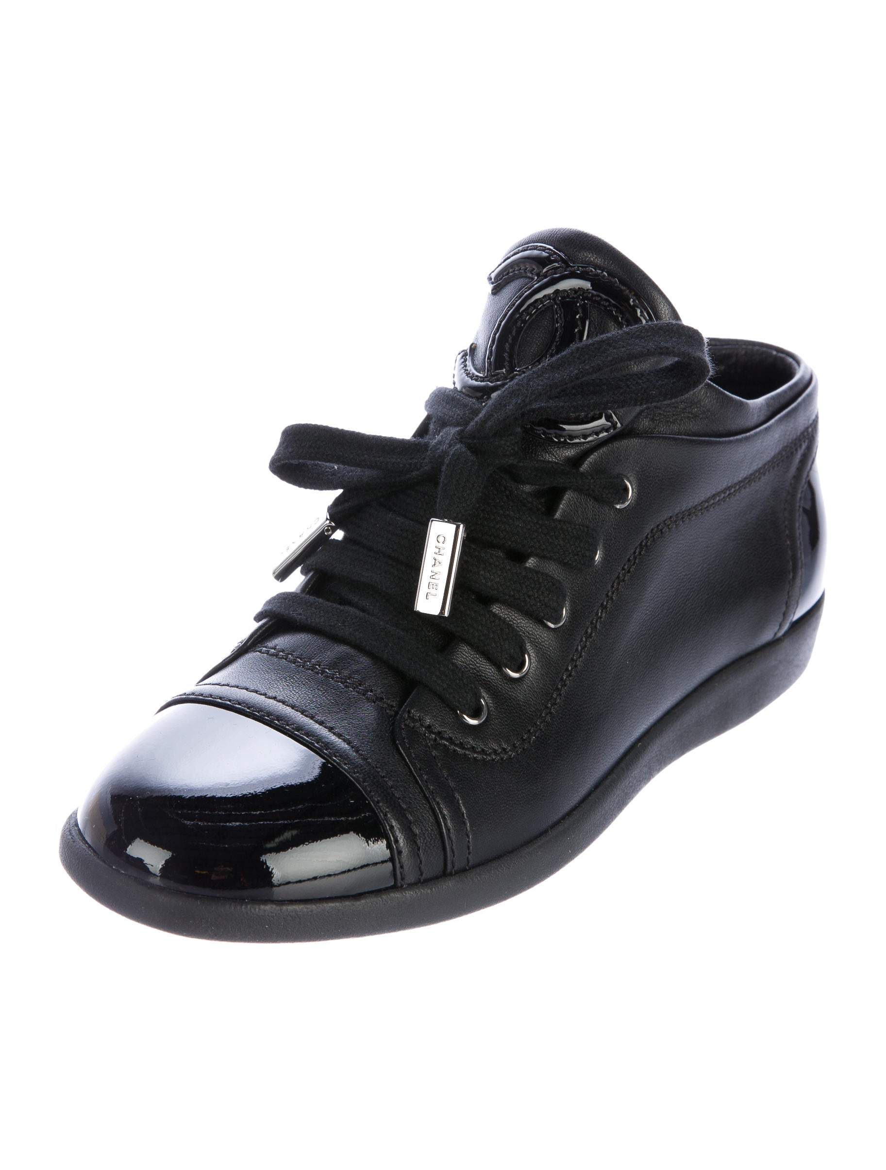 Chanel Leather Cc Sneakers Shoes Cha182538 The Realreal