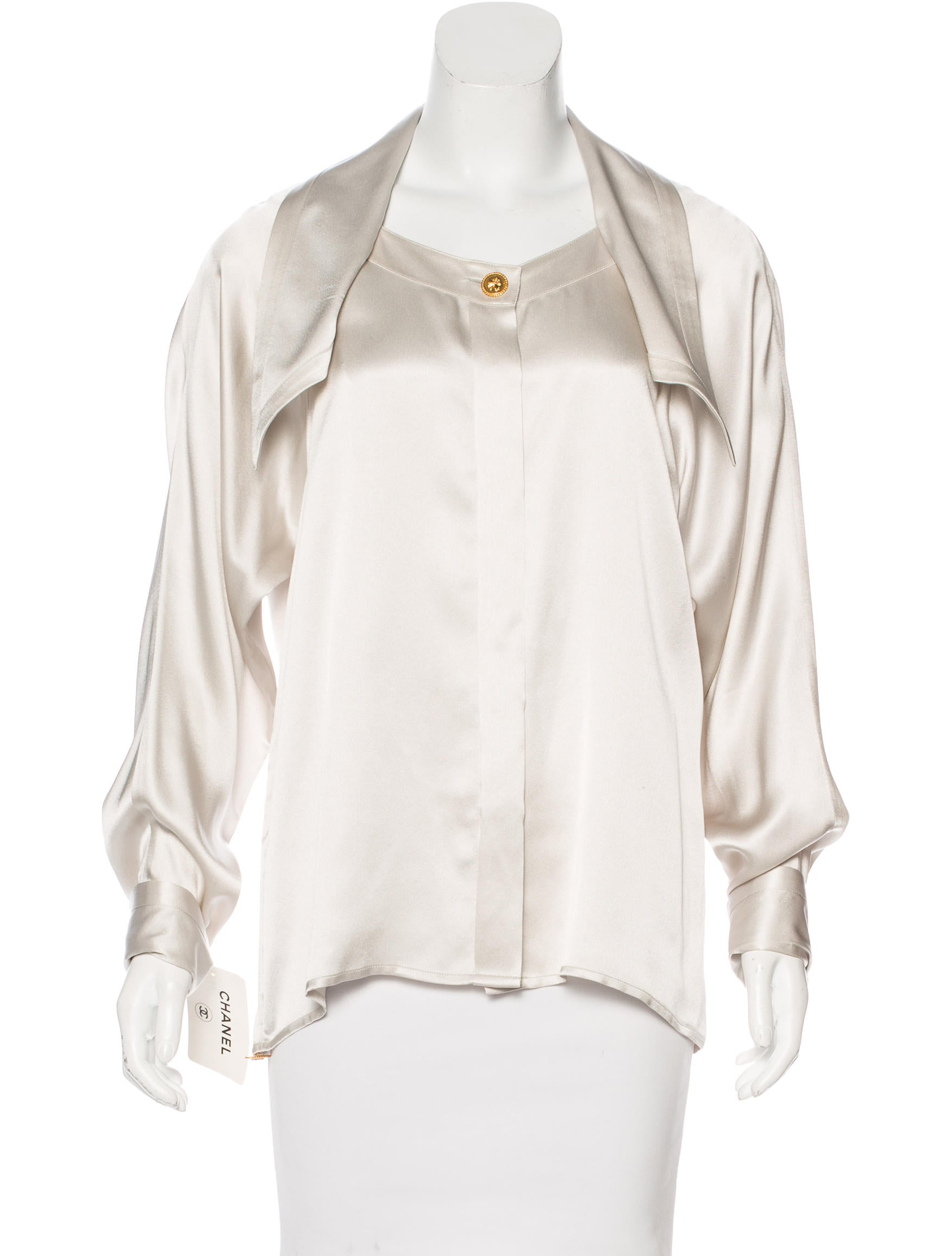 chanel vintage silk blouse w tags clothing cha184456