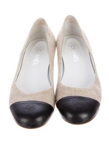 chanel cap toe canvas flats shoes cha189428 the realreal