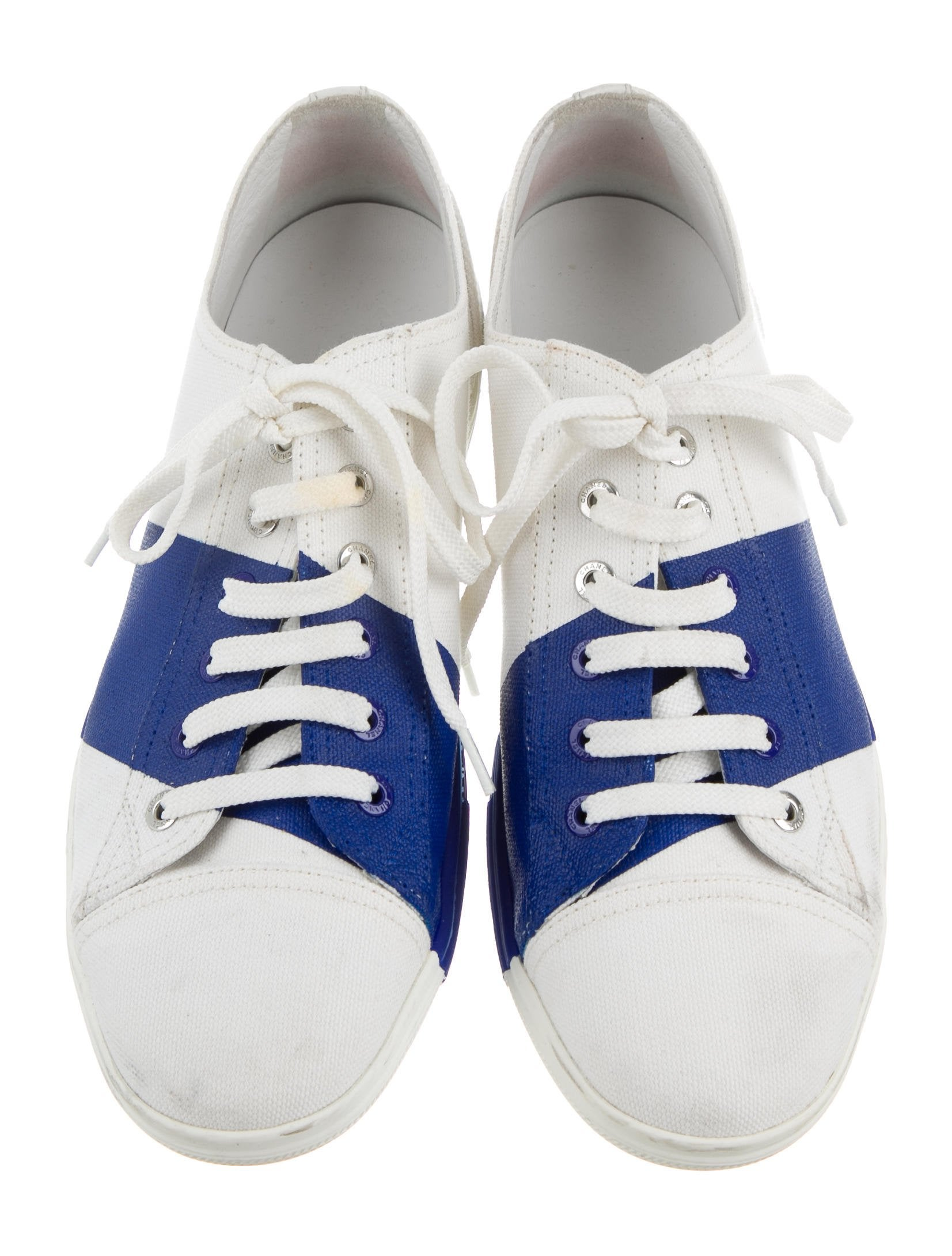 chanel canvas low top sneakers shoes cha189522 the