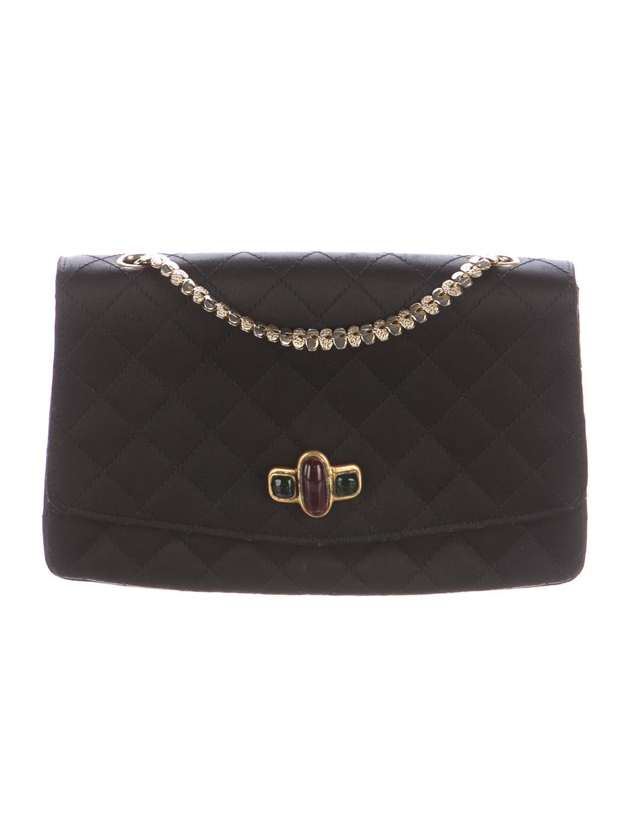 Bijoux Vintage Chanel : Chanel vintage satin bijoux flap bag handbags