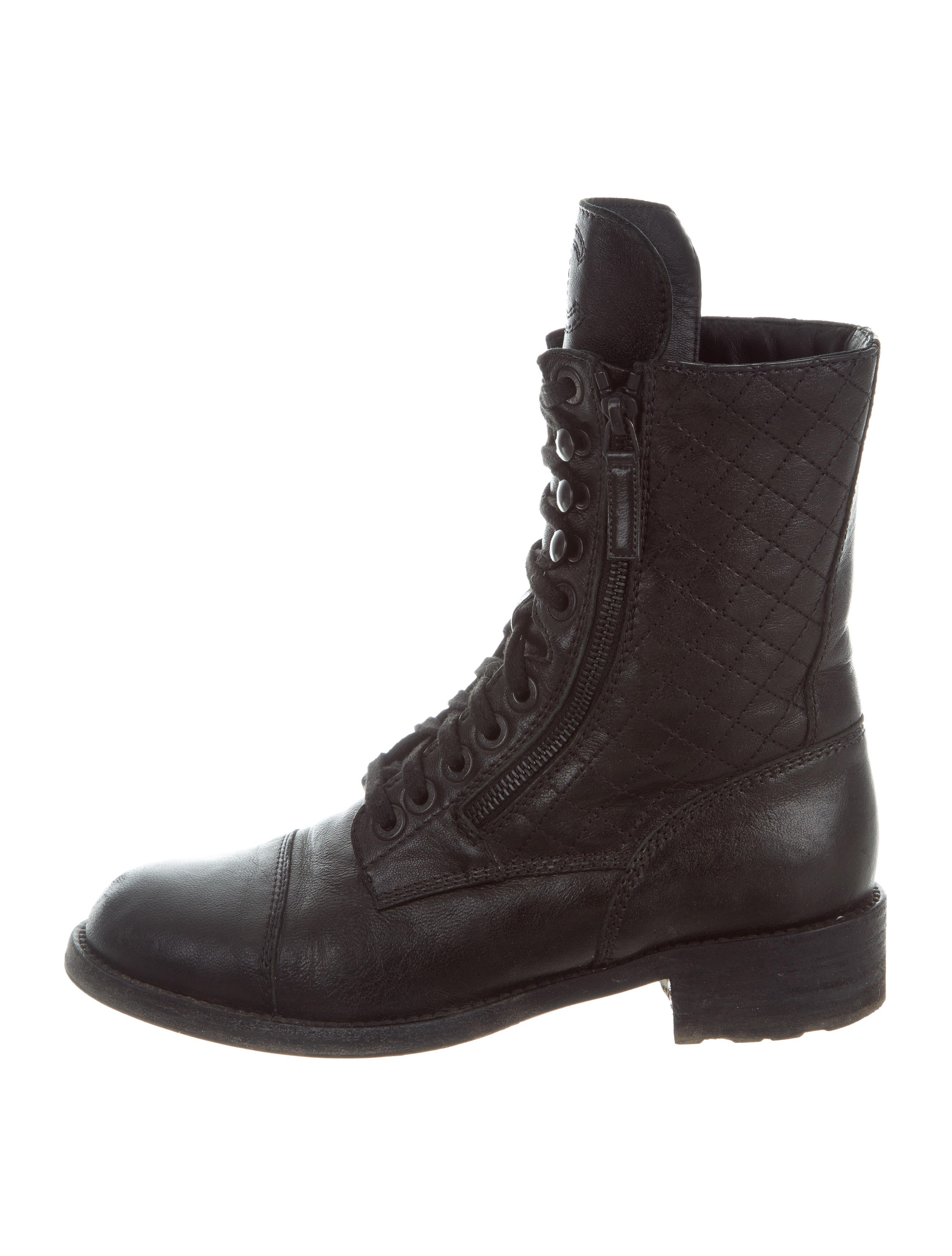 Chanel Quilted Leather Combat Boots Shoes Cha190125