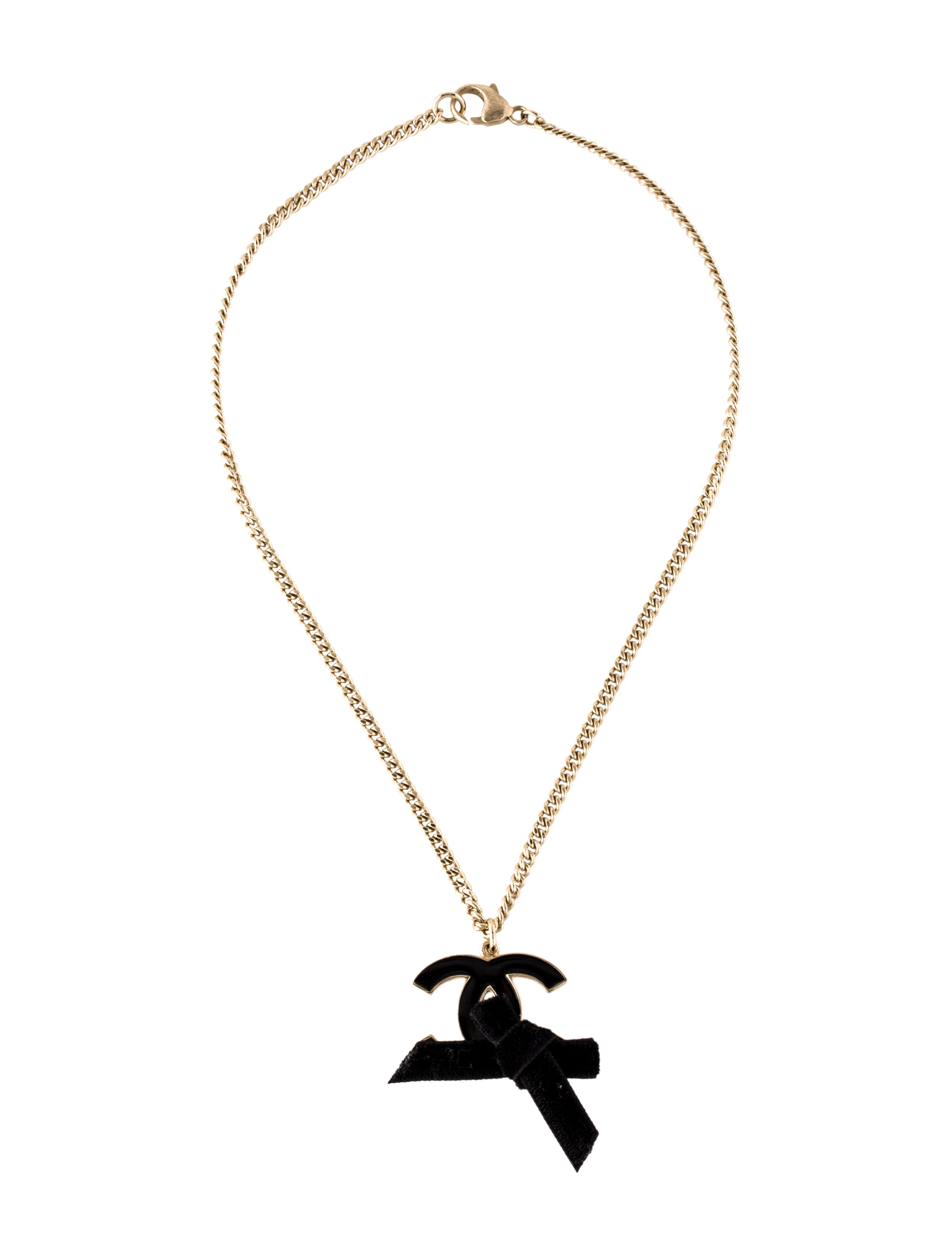 Sears has gorgeous necklaces to complement outfits for any occasion. Find amazing necklaces and pendants that reflect your personal sense of style.