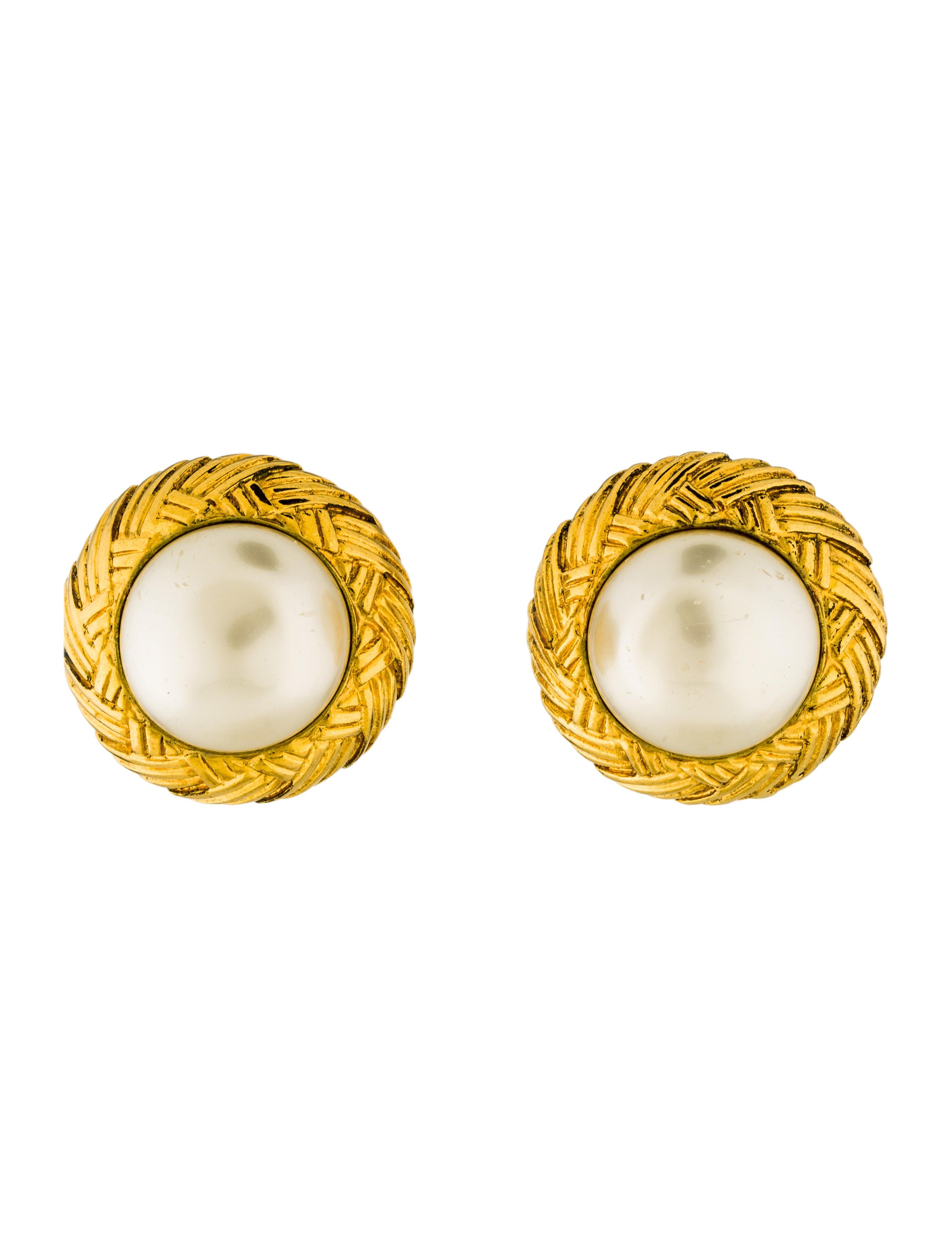 chanel faux pearl clip on earrings earrings cha191454