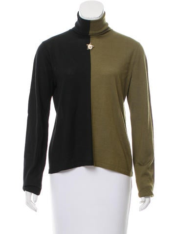 Chanel Contrast Cashmere Sweater None