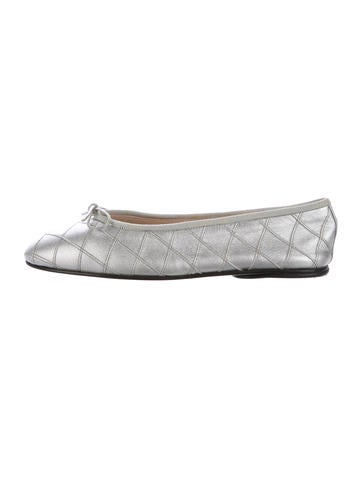 Shop women's Tali Bow Quilted Ballet Flats in black quilted leather and see our entire collection of women's ballet flats and shoes at bloggeri.tk Cole Haan.