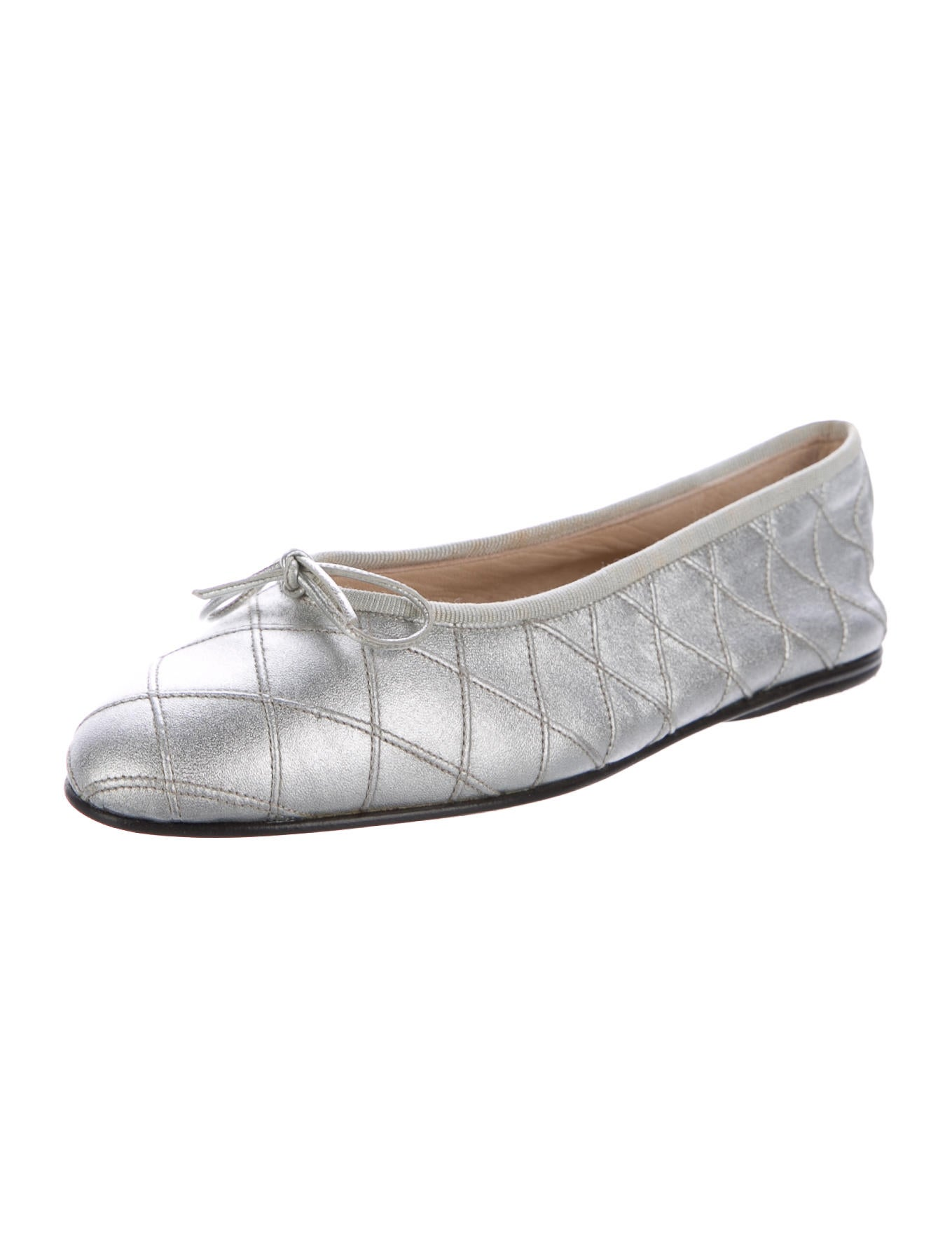Taryn Rose Quilted Leather Ballet Flats - Reese is rated out of 5 by 1. Rated 5 out of 5 by missannette from Beautiful and comfortable ballet flats I purchased the wine color and wore them yesterday for the first time all day. I am a teacher and stand a lot and these shoes were SO comfortable.5/5(1).