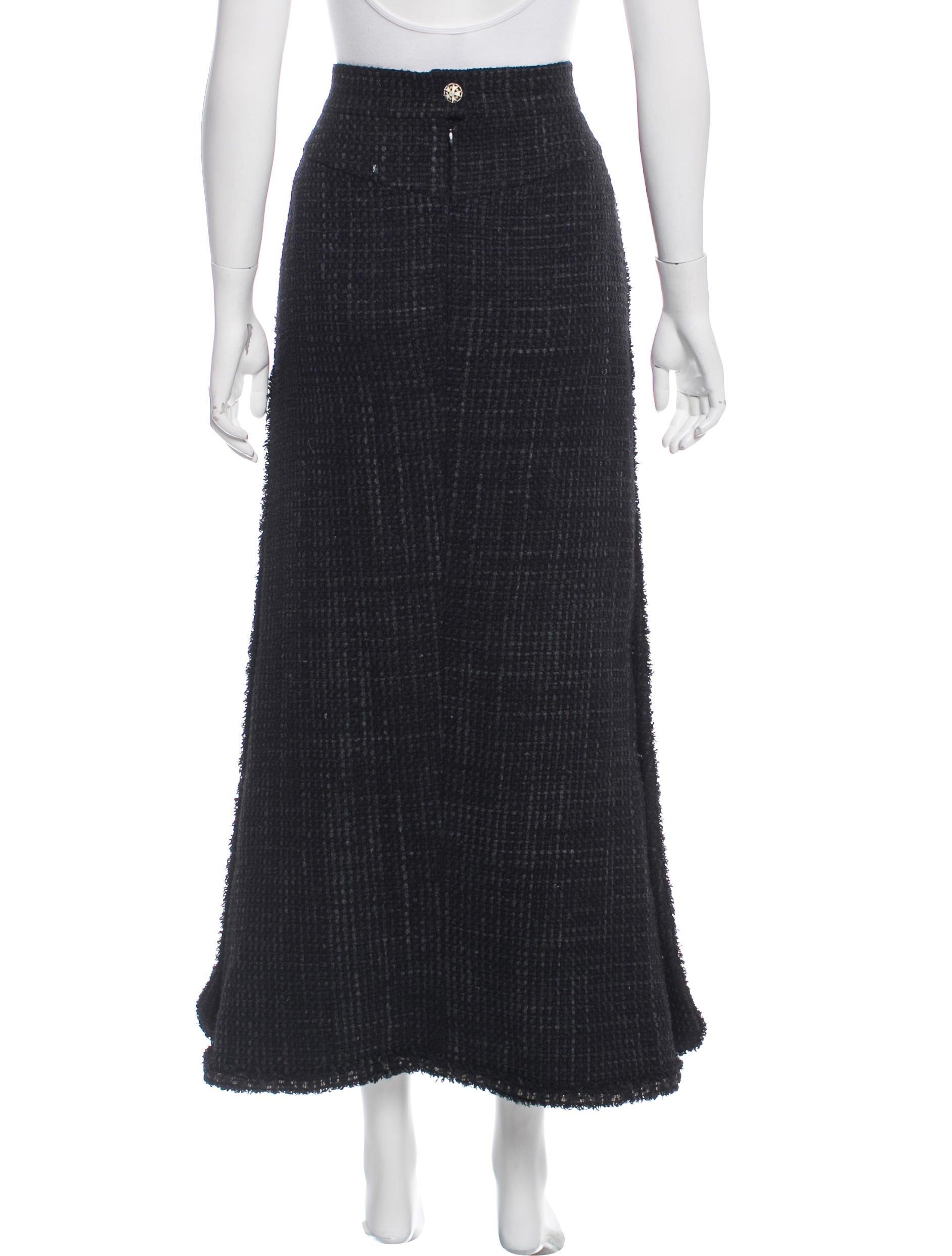 chanel tweed midi skirt clothing cha197722 the realreal